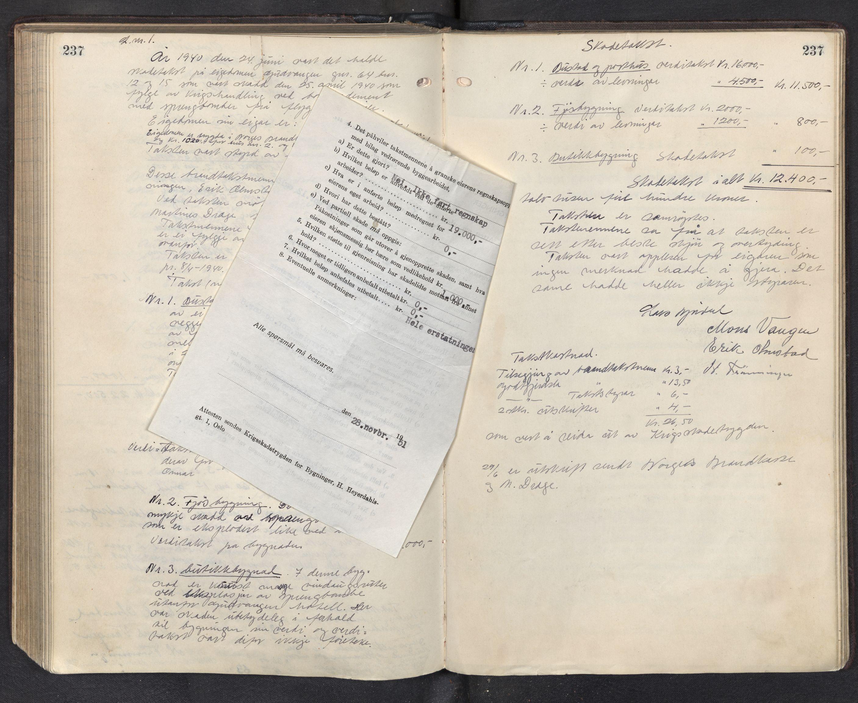 SAB, Lensmannen i Aurland, 0012/L0003: Branntakstprotokoll, 1917-1944, p. 237