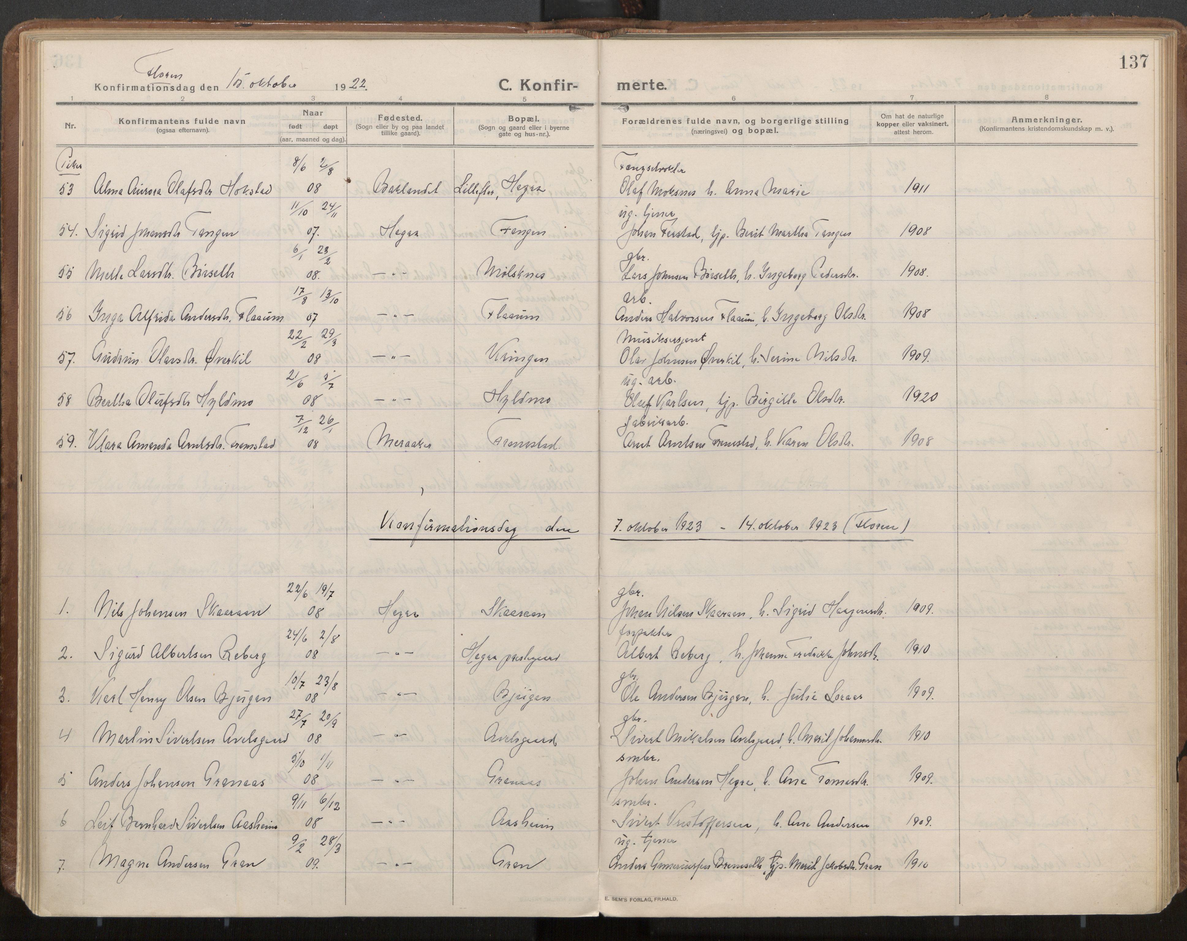 SAT, Ministerialprotokoller, klokkerbøker og fødselsregistre - Nord-Trøndelag, 703/L0037: Parish register (official) no. 703A10, 1915-1932, p. 137