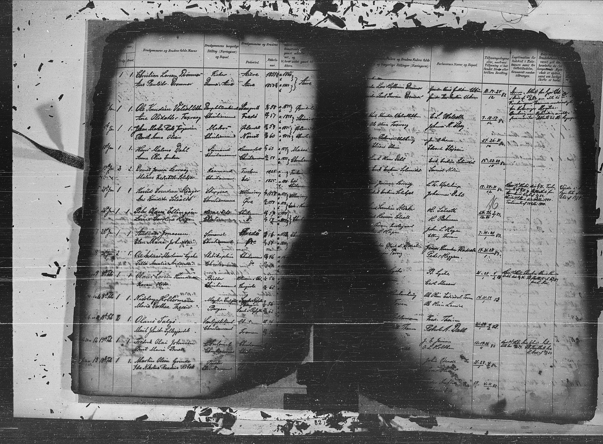 SAT, Ministerialprotokoller, klokkerbøker og fødselsregistre - Møre og Romsdal, 572/L0854: Parish register (official) no. 572A17, 1880-1905, p. 16