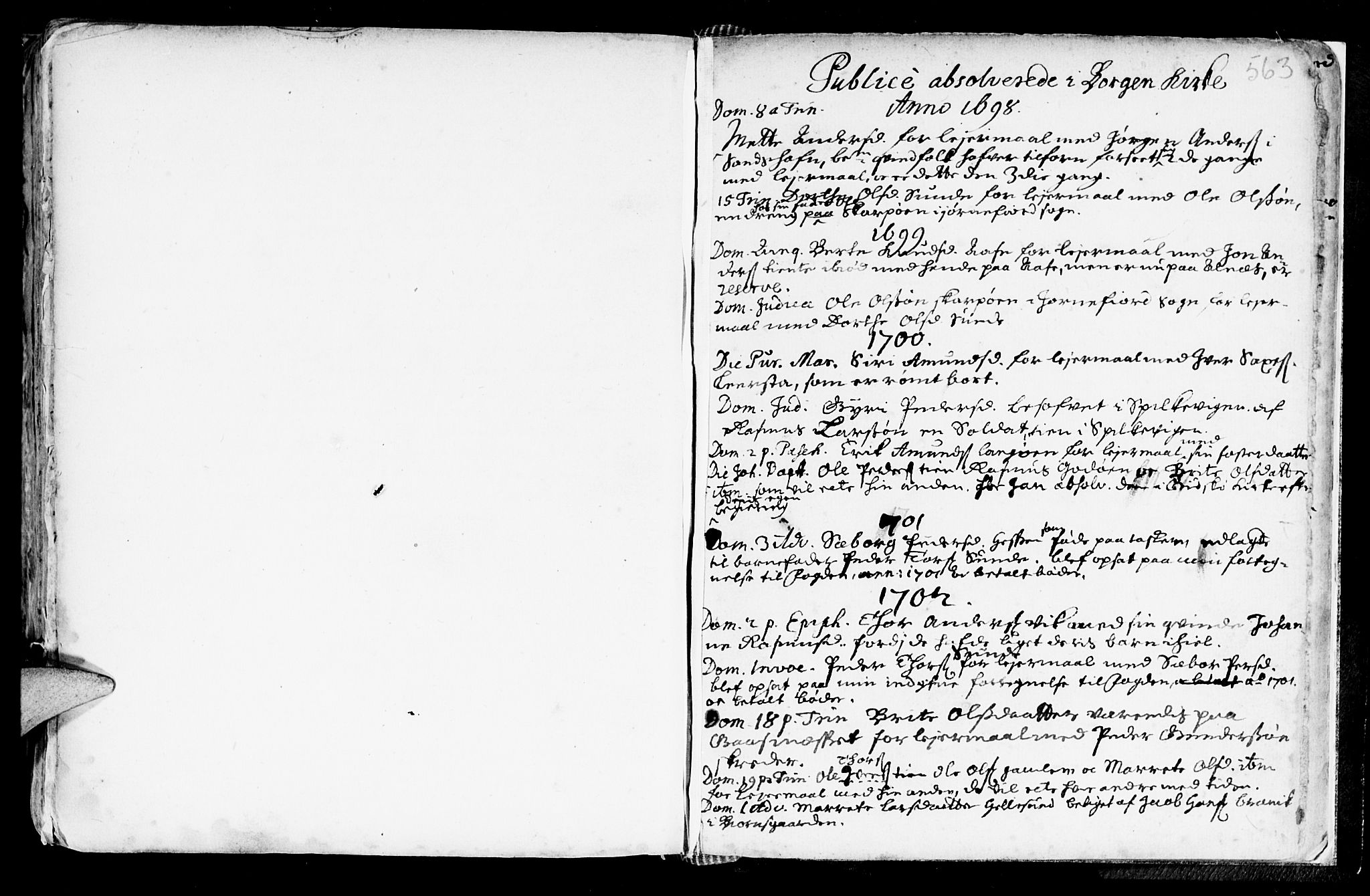 SAT, Ministerialprotokoller, klokkerbøker og fødselsregistre - Møre og Romsdal, 528/L0390: Parish register (official) no. 528A01, 1698-1739, p. 562-563