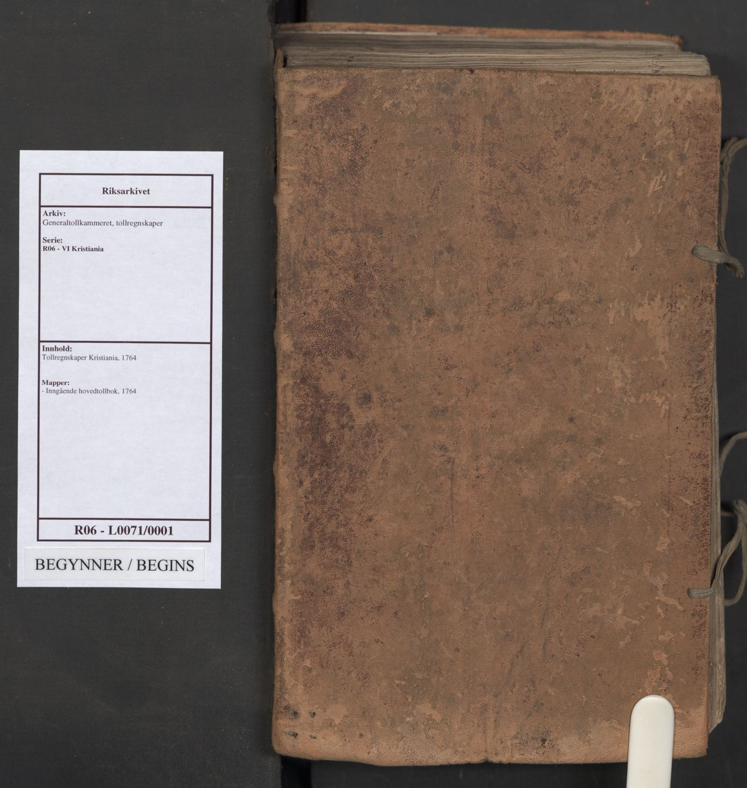 RA, Generaltollkammeret, tollregnskaper, R06/L0071: Tollregnskaper Kristiania, 1764