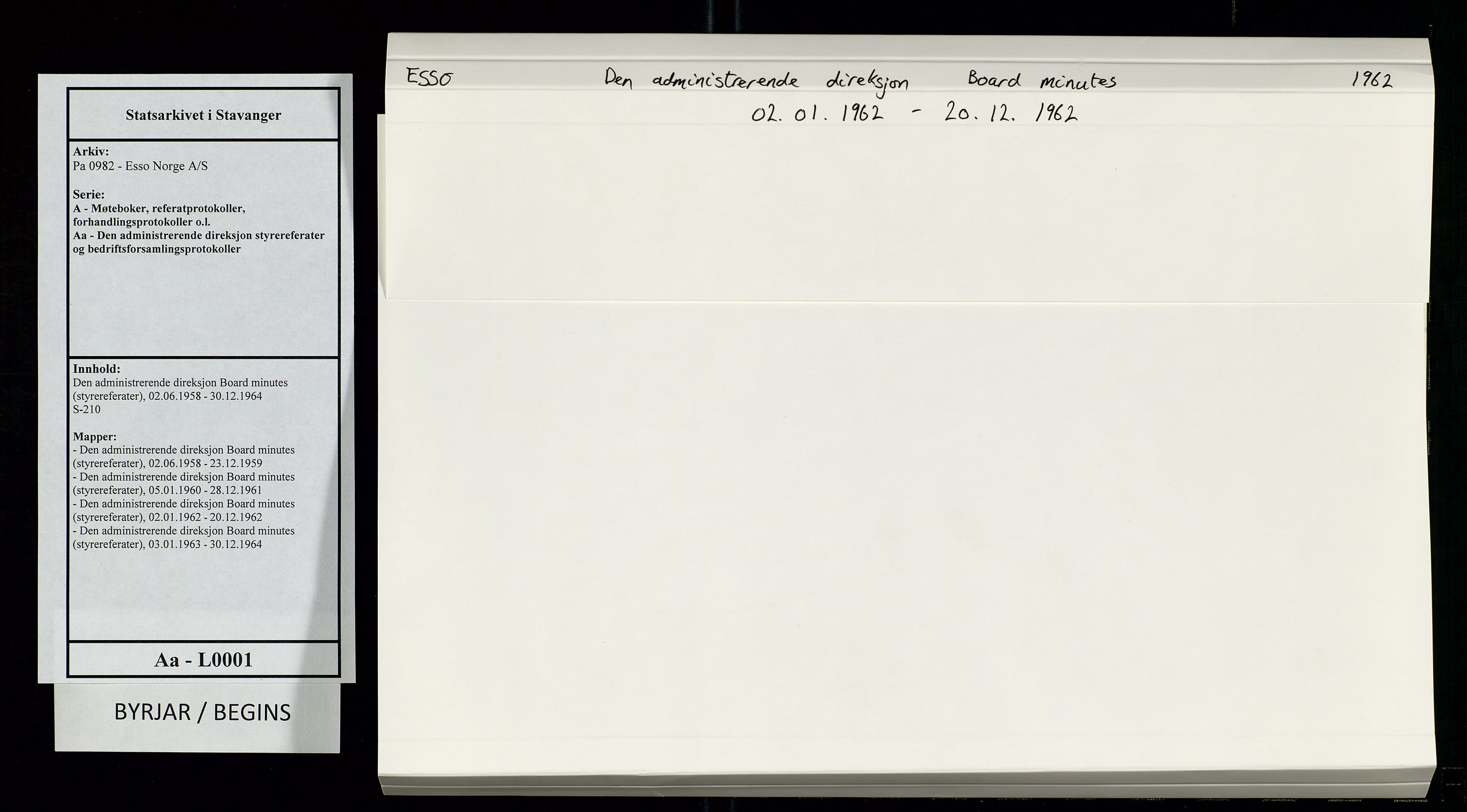 SAST, Pa 0982 - Esso Norge A/S, A/Aa/L0001: Den administrerende direksjon Board minutes (styrereferater), 1962, s. upaginert
