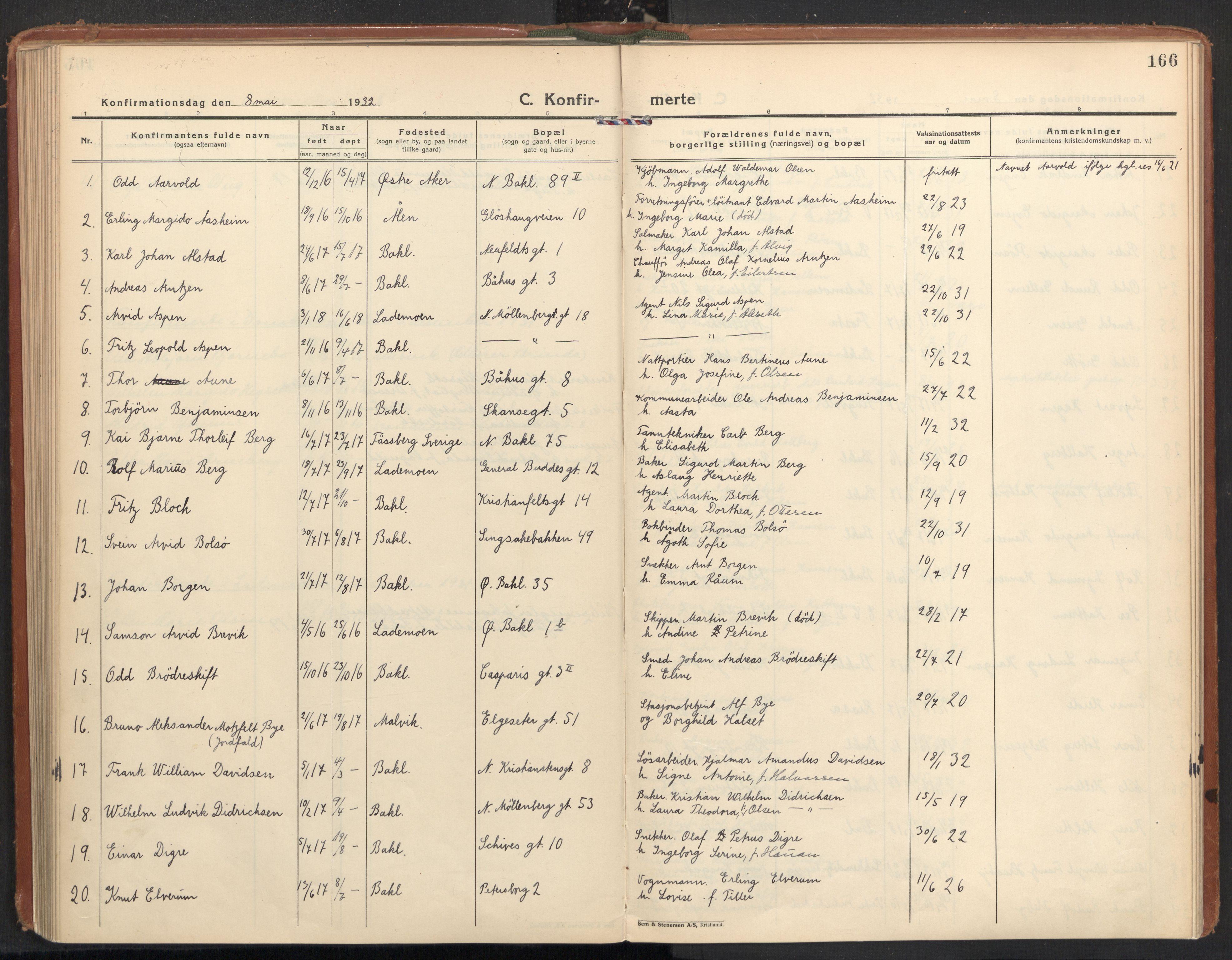 SAT, Ministerialprotokoller, klokkerbøker og fødselsregistre - Sør-Trøndelag, 604/L0208: Ministerialbok nr. 604A28, 1923-1937, s. 166