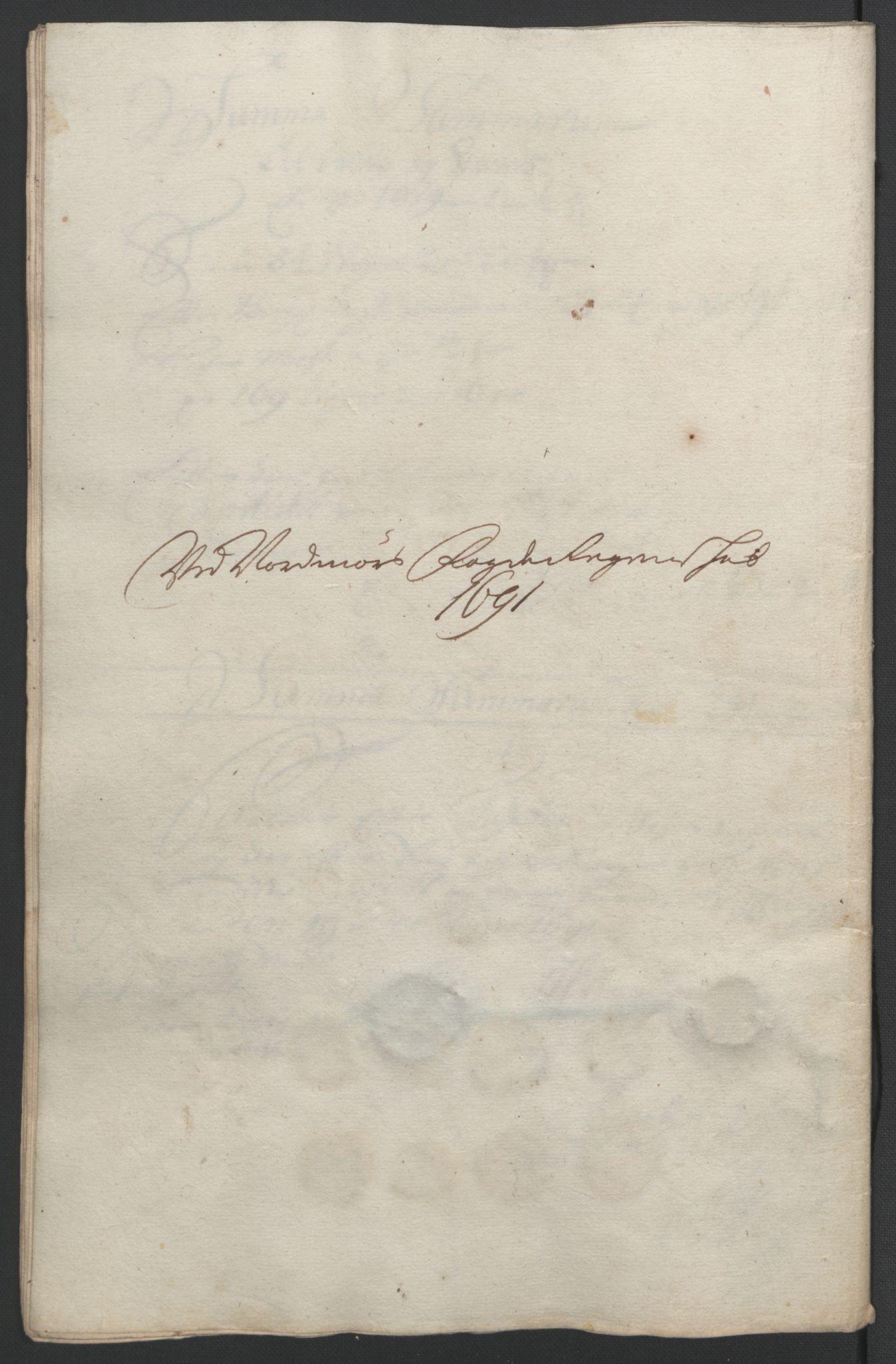 RA, Rentekammeret inntil 1814, Reviderte regnskaper, Fogderegnskap, R56/L3734: Fogderegnskap Nordmøre, 1690-1691, s. 388