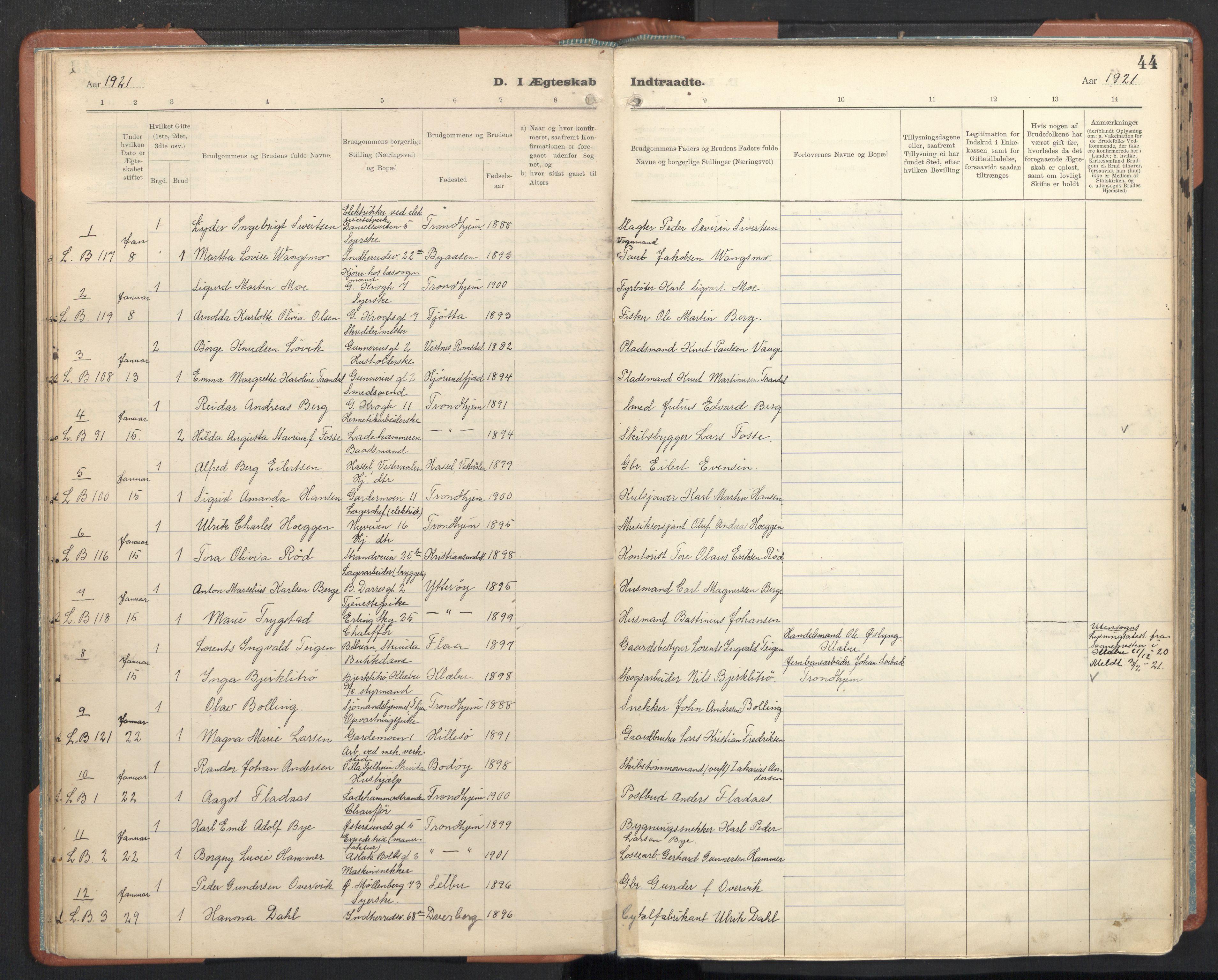SAT, Ministerialprotokoller, klokkerbøker og fødselsregistre - Sør-Trøndelag, 605/L0245: Ministerialbok nr. 605A07, 1916-1938, s. 44