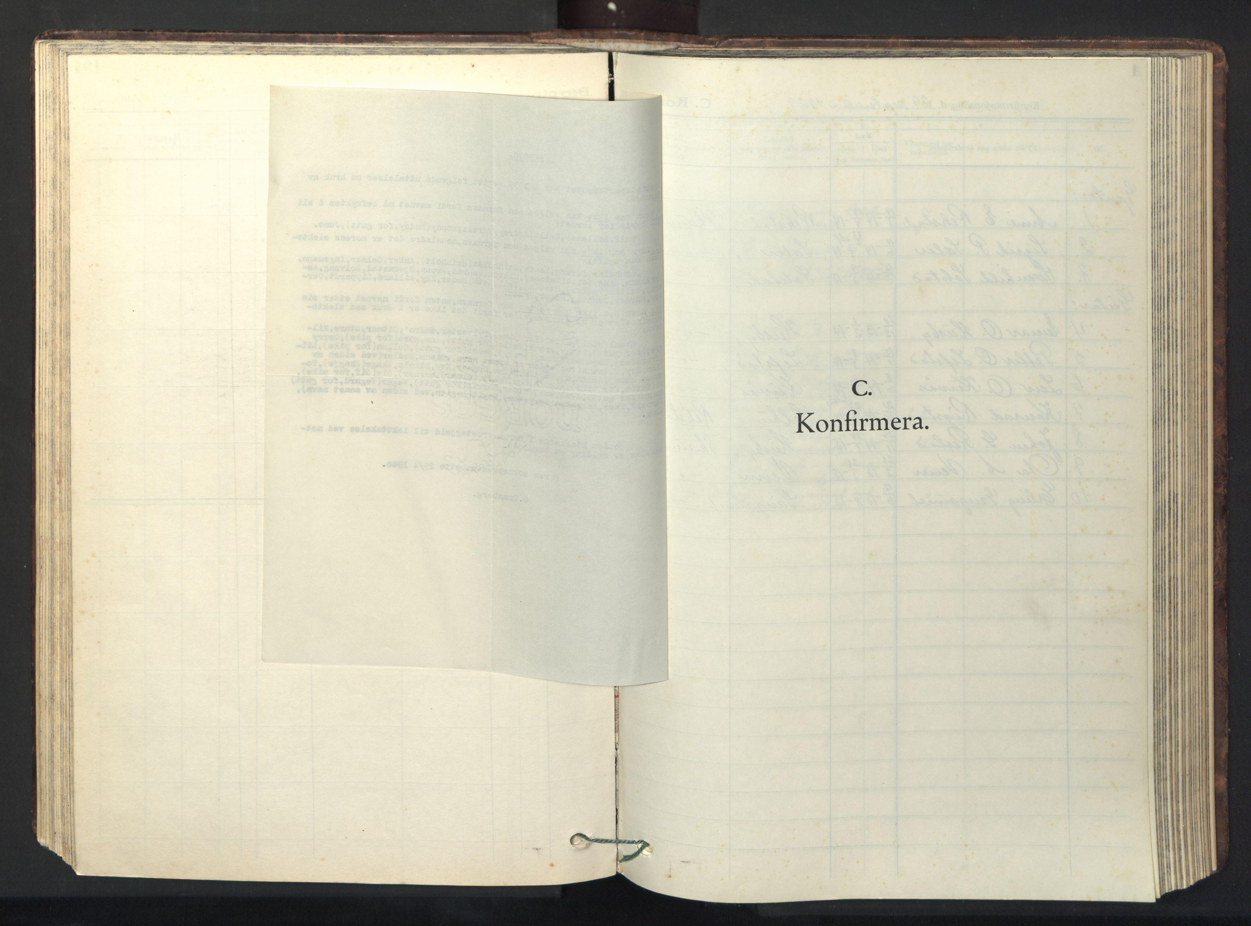 SAT, Ministerialprotokoller, klokkerbøker og fødselsregistre - Sør-Trøndelag, 667/L0799: Klokkerbok nr. 667C04, 1929-1950, s. 105