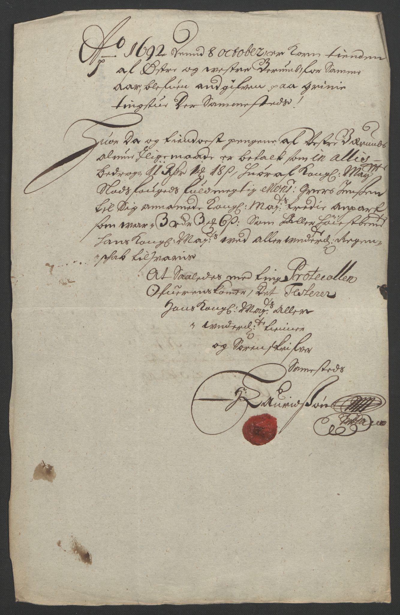RA, Rentekammeret inntil 1814, Reviderte regnskaper, Fogderegnskap, R08/L0426: Fogderegnskap Aker, 1692-1693, s. 76