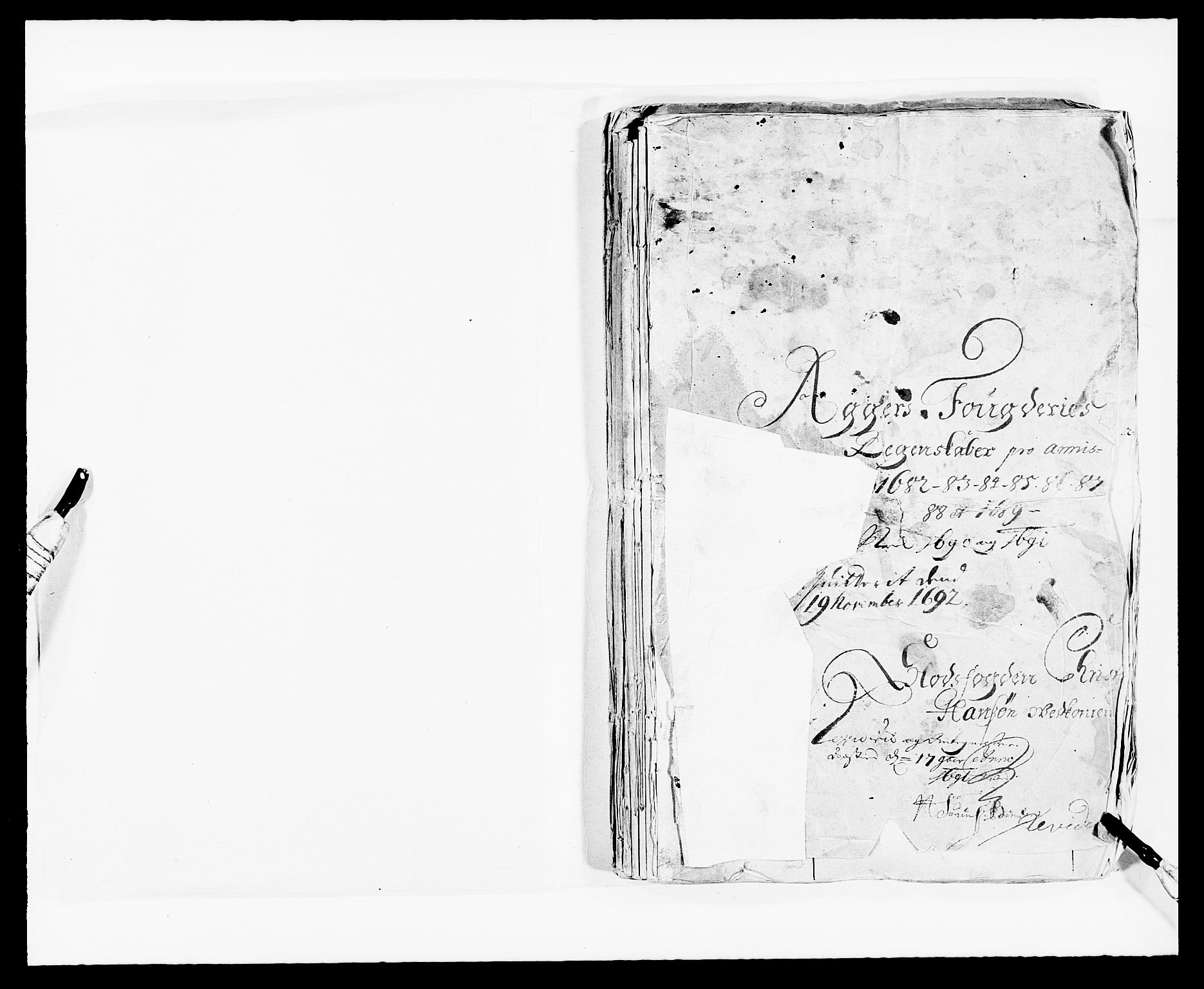 RA, Rentekammeret inntil 1814, Reviderte regnskaper, Fogderegnskap, R08/L0420: Fogderegnskap Aker, 1682-1691, s. 2
