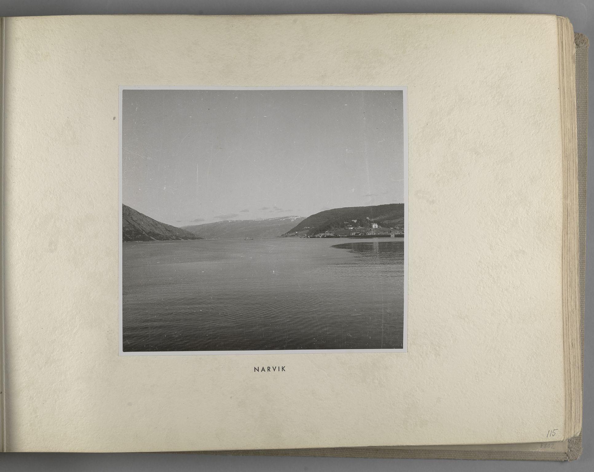 RA, Tyske arkiver, Reichskommissariat, Bildarchiv, U/L0071: Fotoalbum: Mit dem Reichskommissar nach Nordnorwegen und Finnland 10. bis 27. Juli 1942, 1942, s. 45