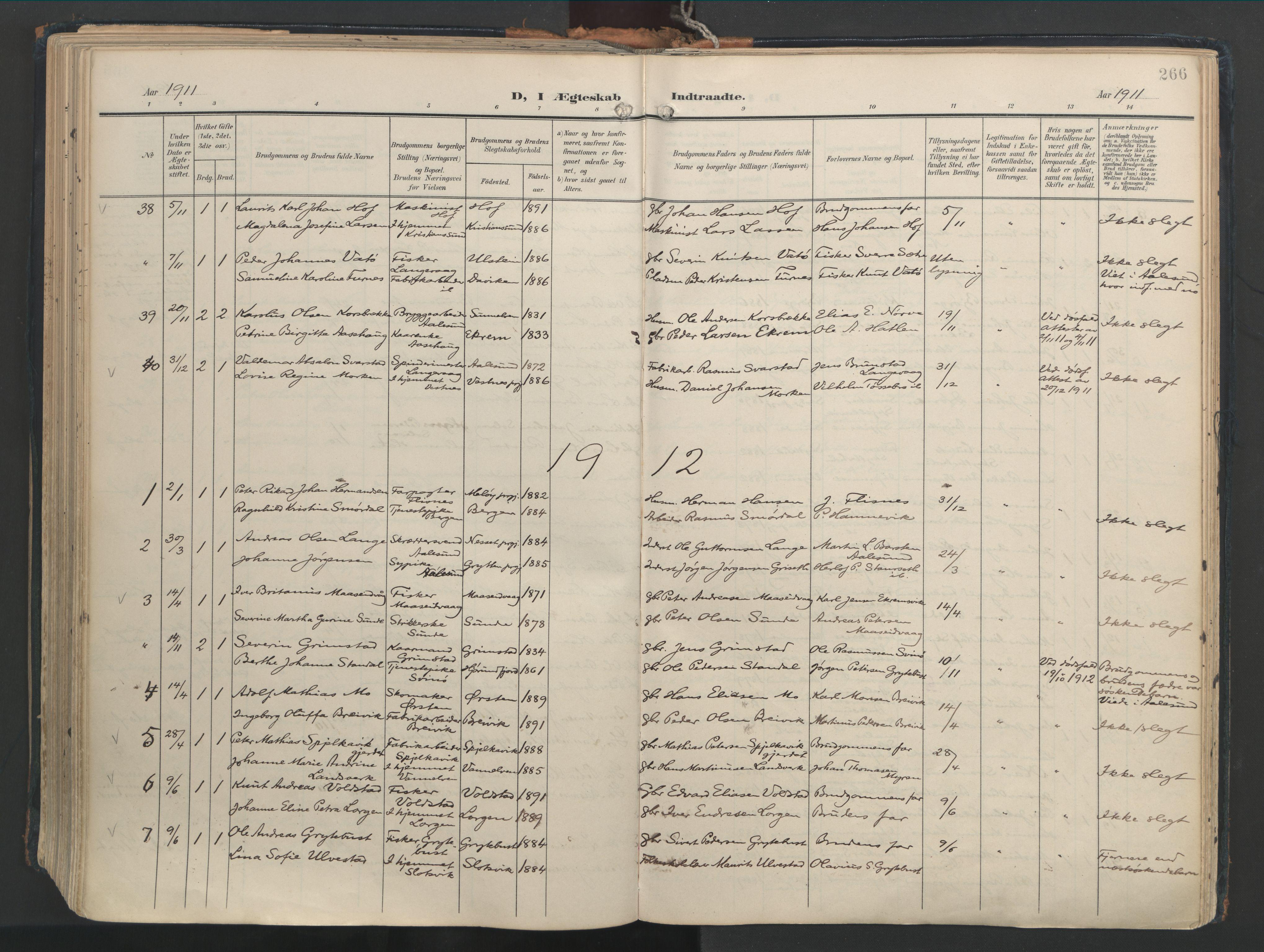 SAT, Ministerialprotokoller, klokkerbøker og fødselsregistre - Møre og Romsdal, 528/L0411: Ministerialbok nr. 528A20, 1907-1920, s. 266