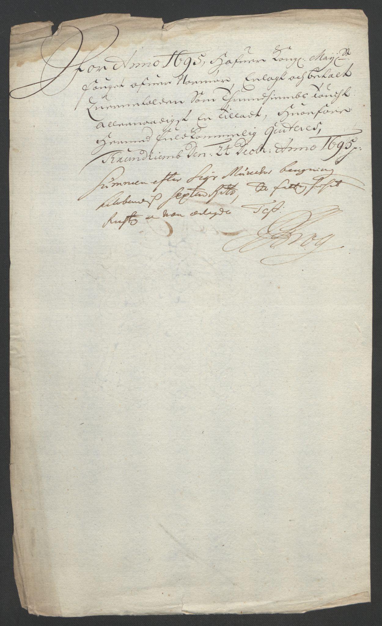 RA, Rentekammeret inntil 1814, Reviderte regnskaper, Fogderegnskap, R56/L3736: Fogderegnskap Nordmøre, 1694-1696, s. 298