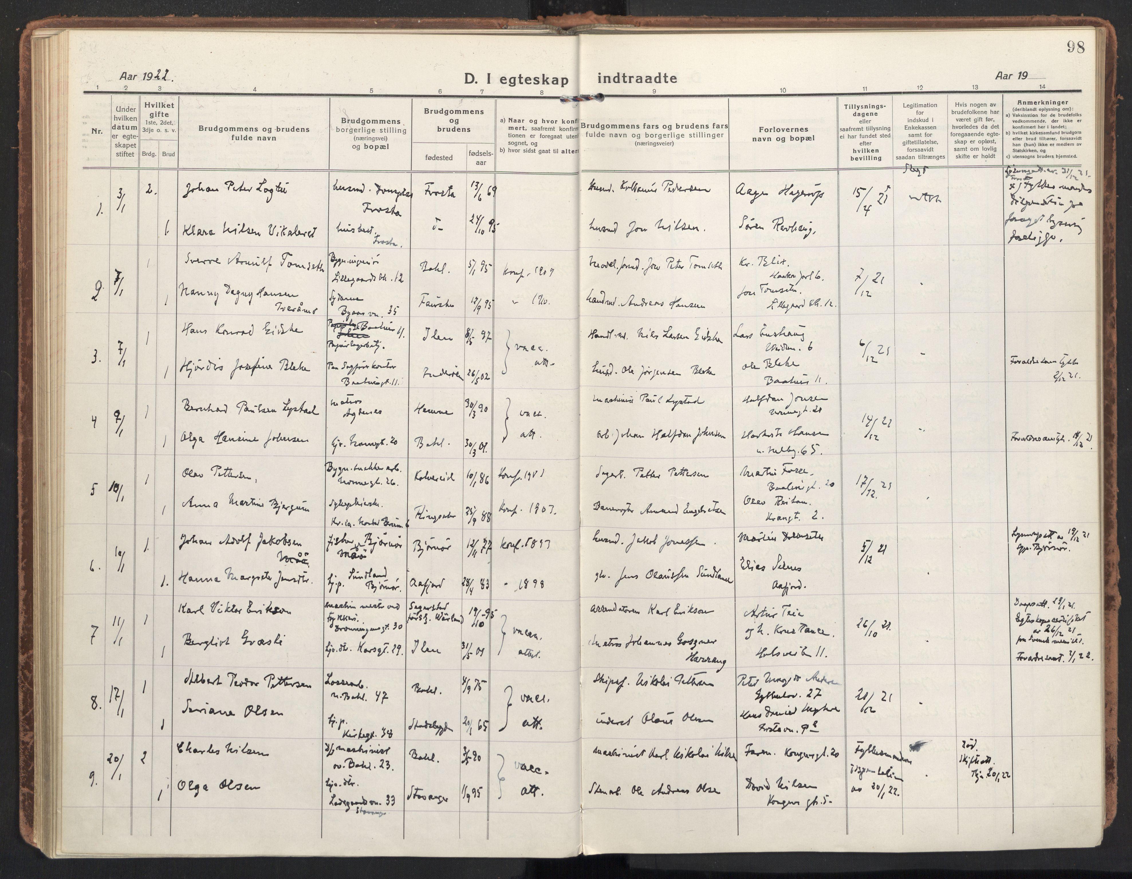 SAT, Ministerialprotokoller, klokkerbøker og fødselsregistre - Sør-Trøndelag, 604/L0206: Ministerialbok nr. 604A26, 1917-1931, s. 98