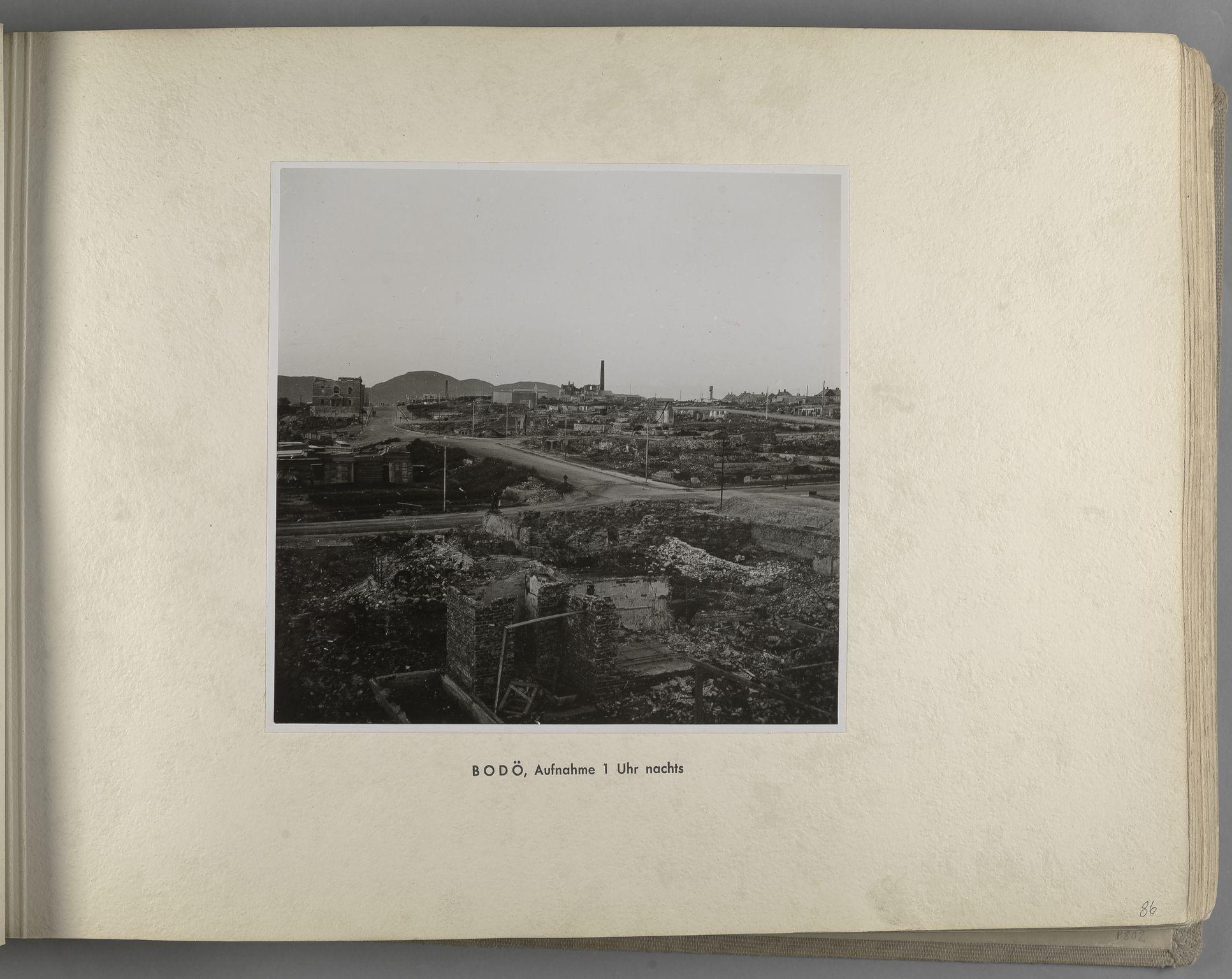 RA, Tyske arkiver, Reichskommissariat, Bildarchiv, U/L0071: Fotoalbum: Mit dem Reichskommissar nach Nordnorwegen und Finnland 10. bis 27. Juli 1942, 1942, s. 33