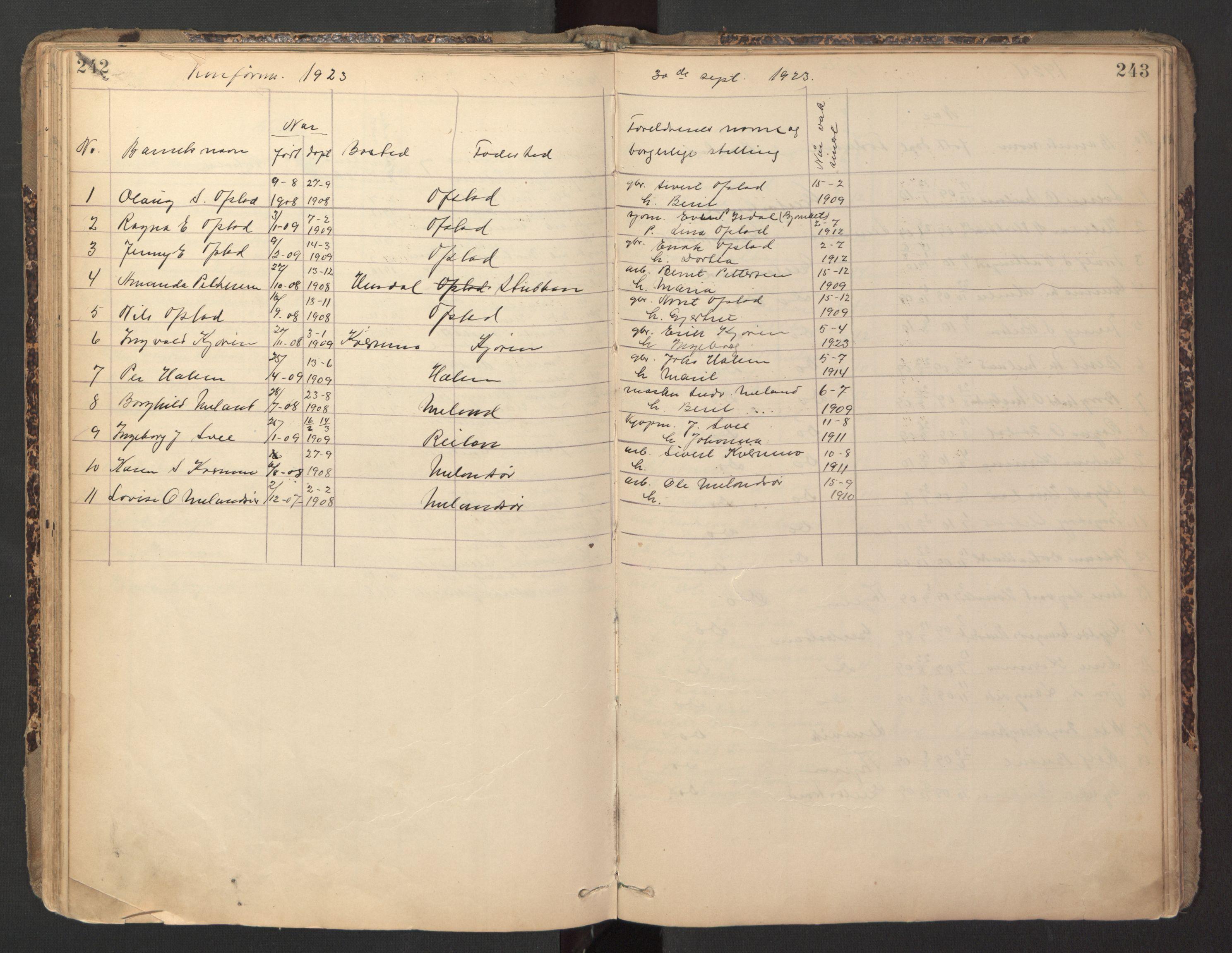 SAT, Ministerialprotokoller, klokkerbøker og fødselsregistre - Sør-Trøndelag, 670/L0837: Klokkerbok nr. 670C01, 1905-1946, s. 242-243