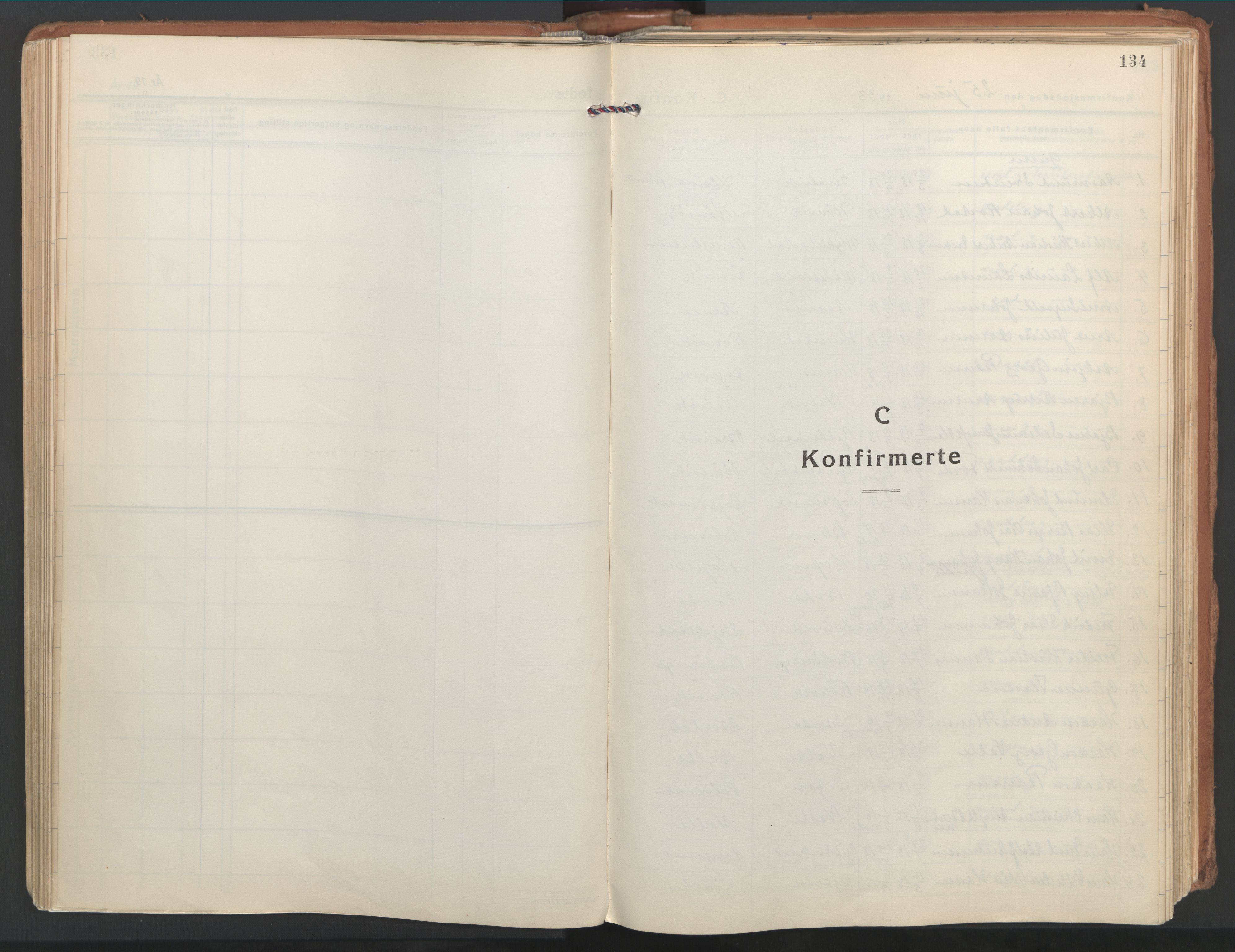 SAT, Ministerialprotokoller, klokkerbøker og fødselsregistre - Nordland, 802/L0061: Ministerialbok nr. 802A08, 1933-1946, s. 134