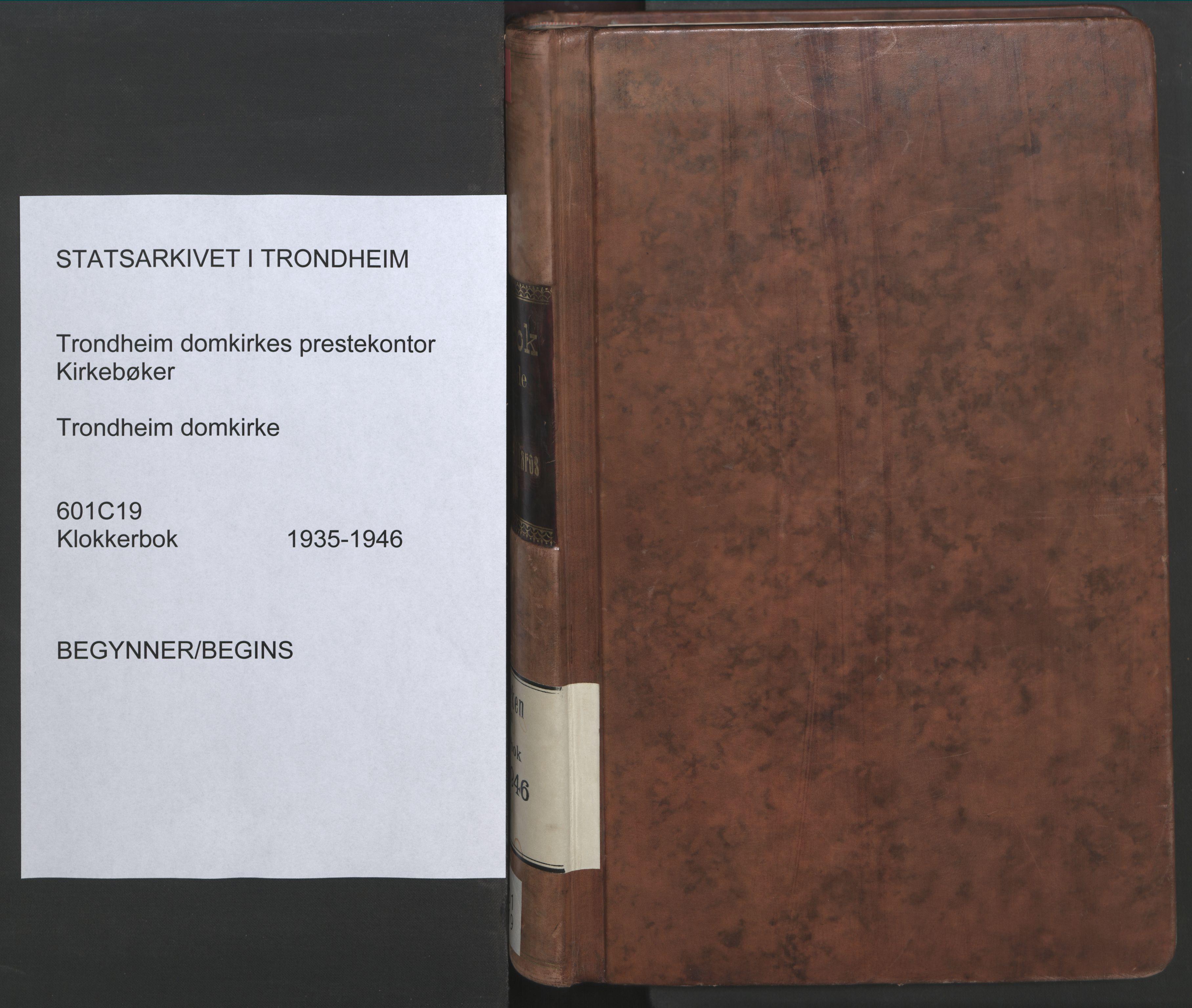 SAT, Ministerialprotokoller, klokkerbøker og fødselsregistre - Sør-Trøndelag, 601/L0101: Klokkerbok nr. 601C19, 1935-1946