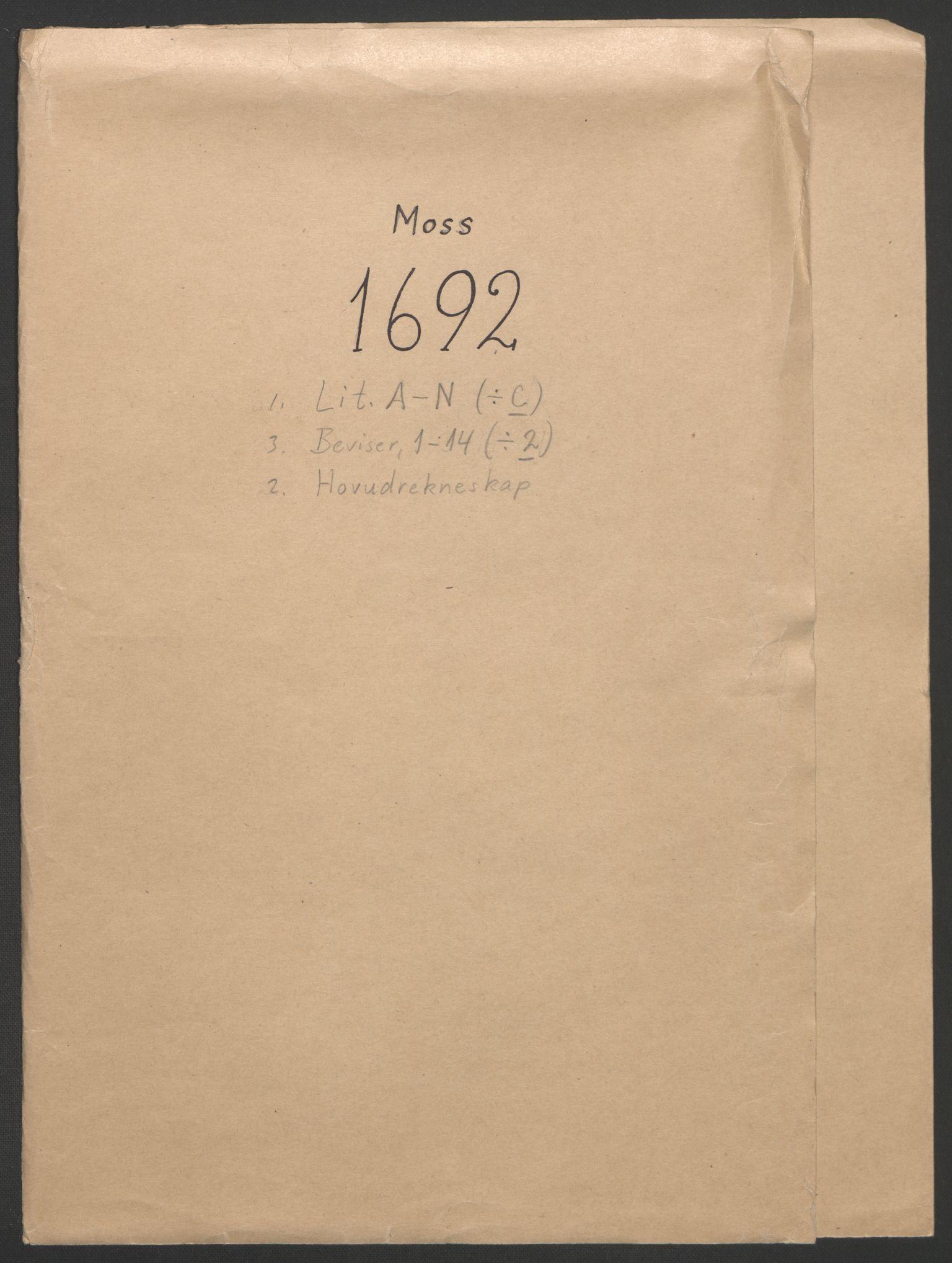 RA, Rentekammeret inntil 1814, Reviderte regnskaper, Fogderegnskap, R02/L0108: Fogderegnskap Moss og Verne kloster, 1692-1693, s. 1