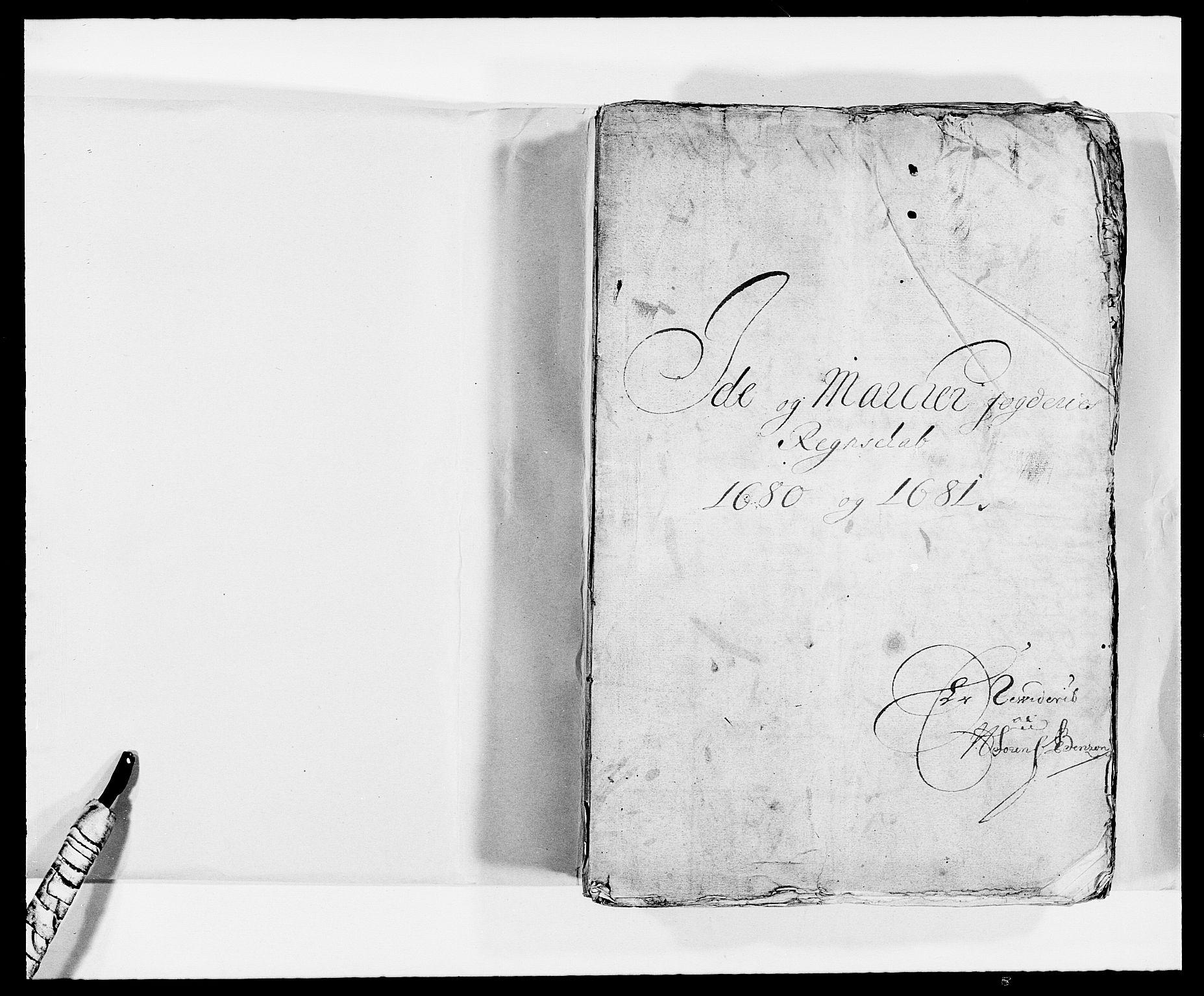 RA, Rentekammeret inntil 1814, Reviderte regnskaper, Fogderegnskap, R01/L0002: Fogderegnskap Idd og Marker, 1680-1681, s. 1