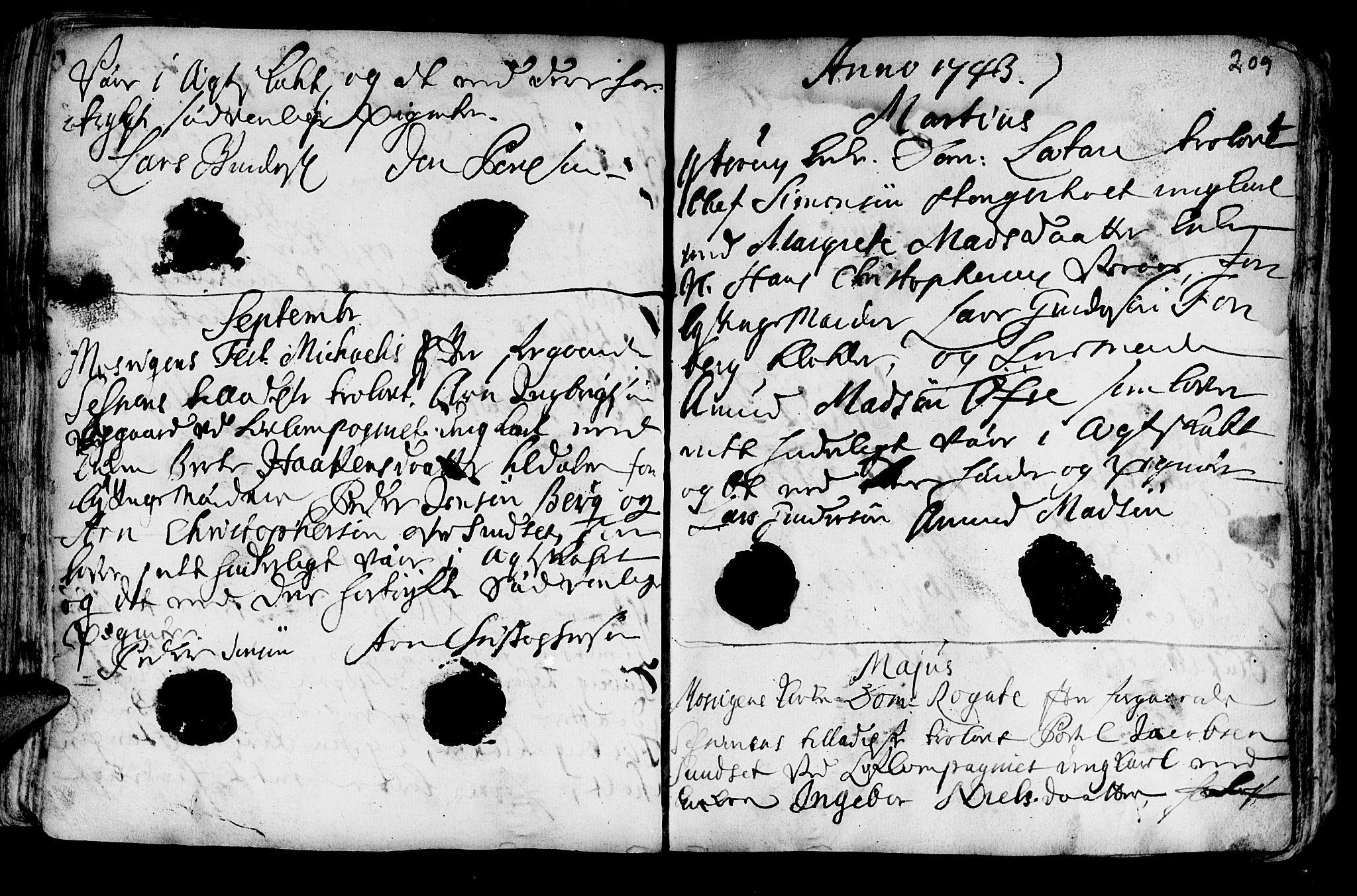 SAT, Ministerialprotokoller, klokkerbøker og fødselsregistre - Nord-Trøndelag, 722/L0215: Ministerialbok nr. 722A02, 1718-1755, s. 209