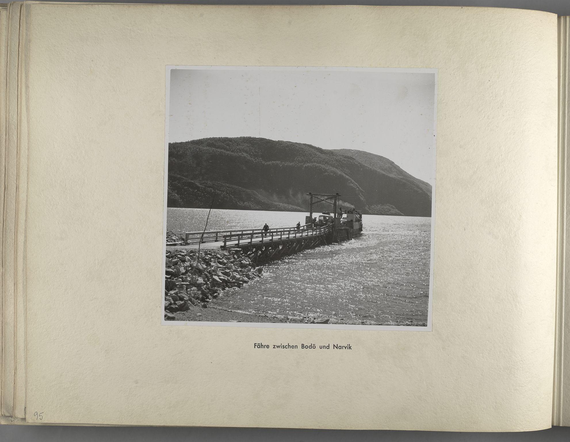 RA, Tyske arkiver, Reichskommissariat, Bildarchiv, U/L0071: Fotoalbum: Mit dem Reichskommissar nach Nordnorwegen und Finnland 10. bis 27. Juli 1942, 1942, s. 38