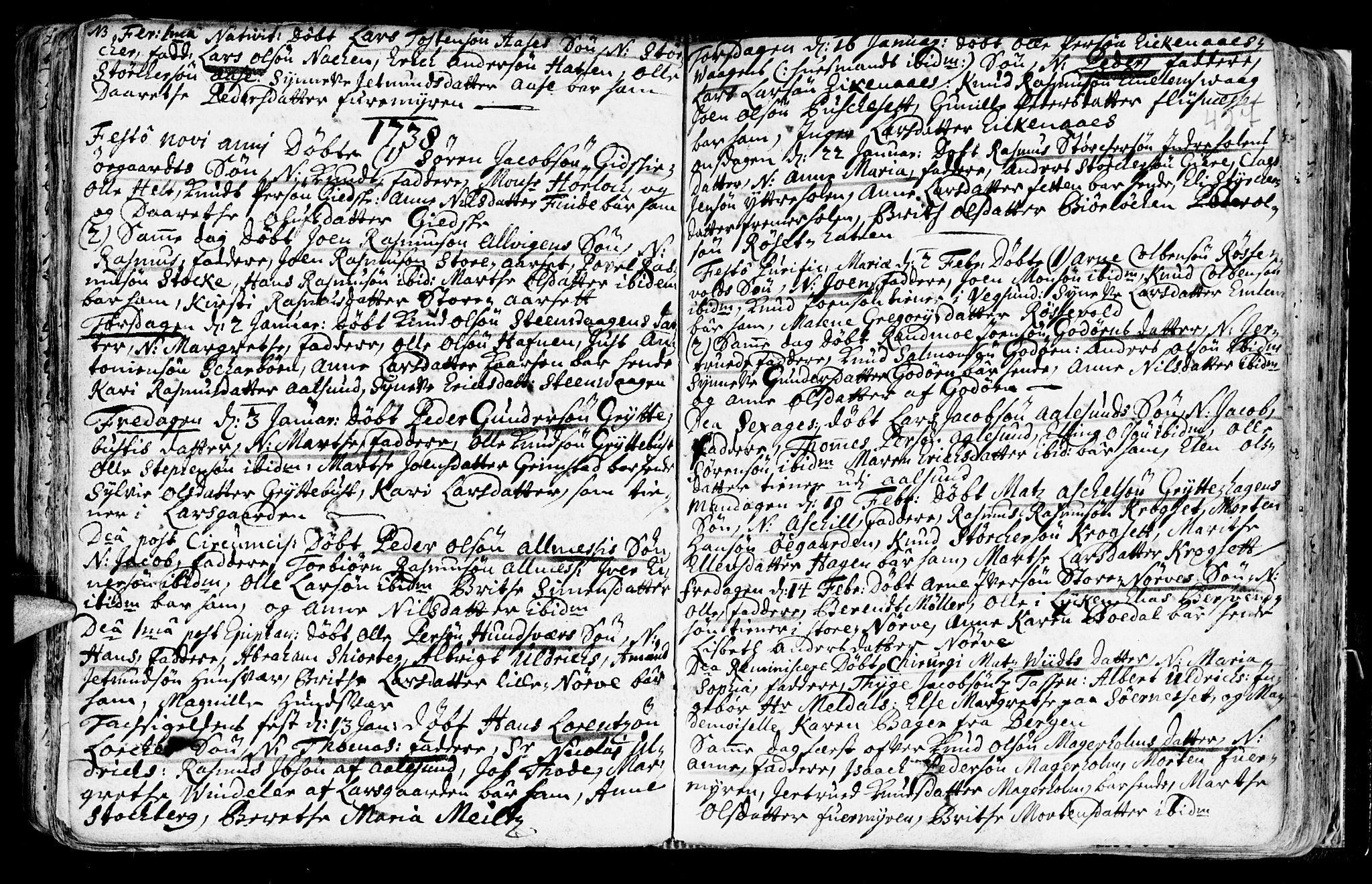 SAT, Ministerialprotokoller, klokkerbøker og fødselsregistre - Møre og Romsdal, 528/L0390: Ministerialbok nr. 528A01, 1698-1739, s. 426-427