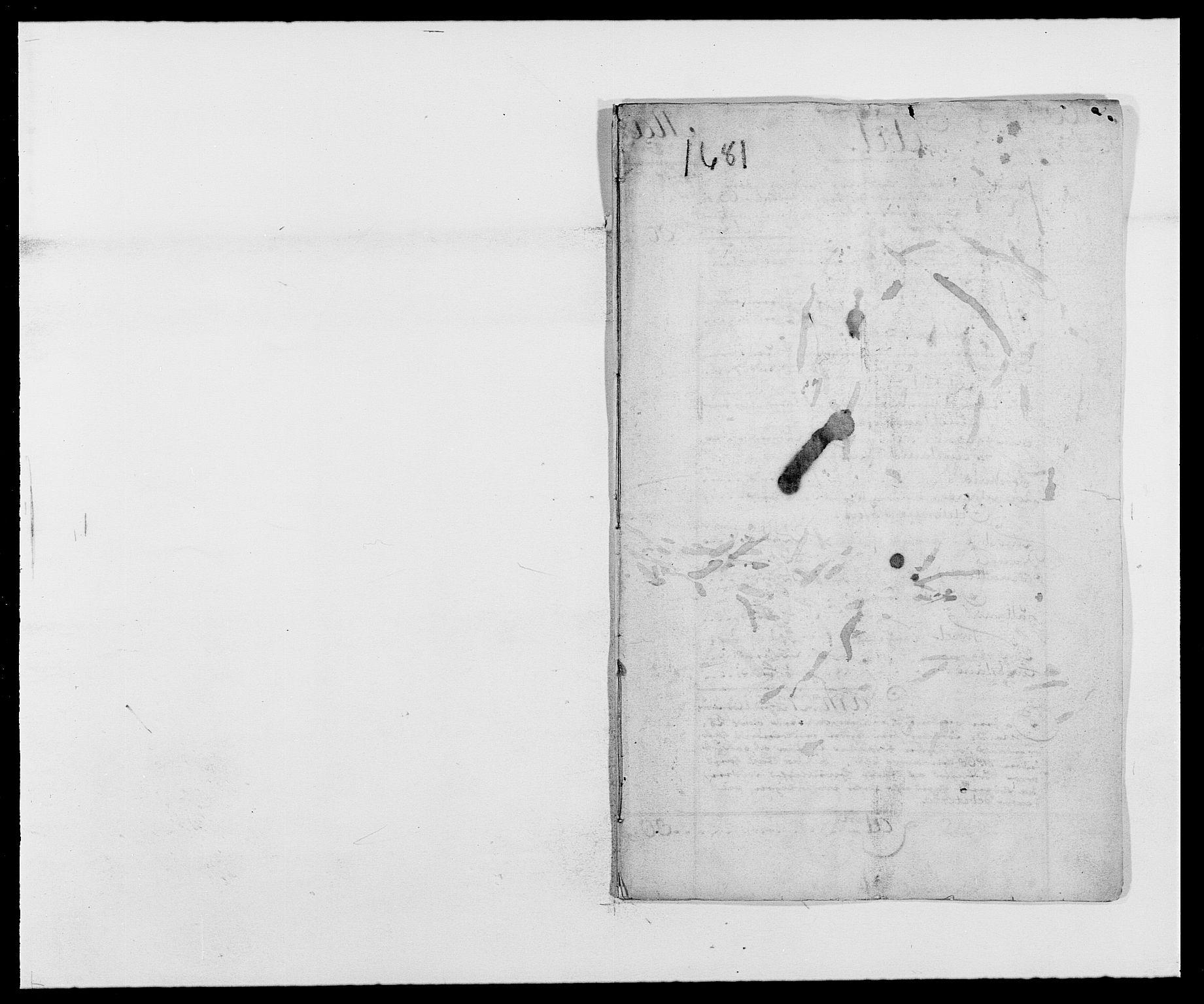 RA, Rentekammeret inntil 1814, Reviderte regnskaper, Fogderegnskap, R42/L2541: Mandal fogderi, 1681-1684, s. 1