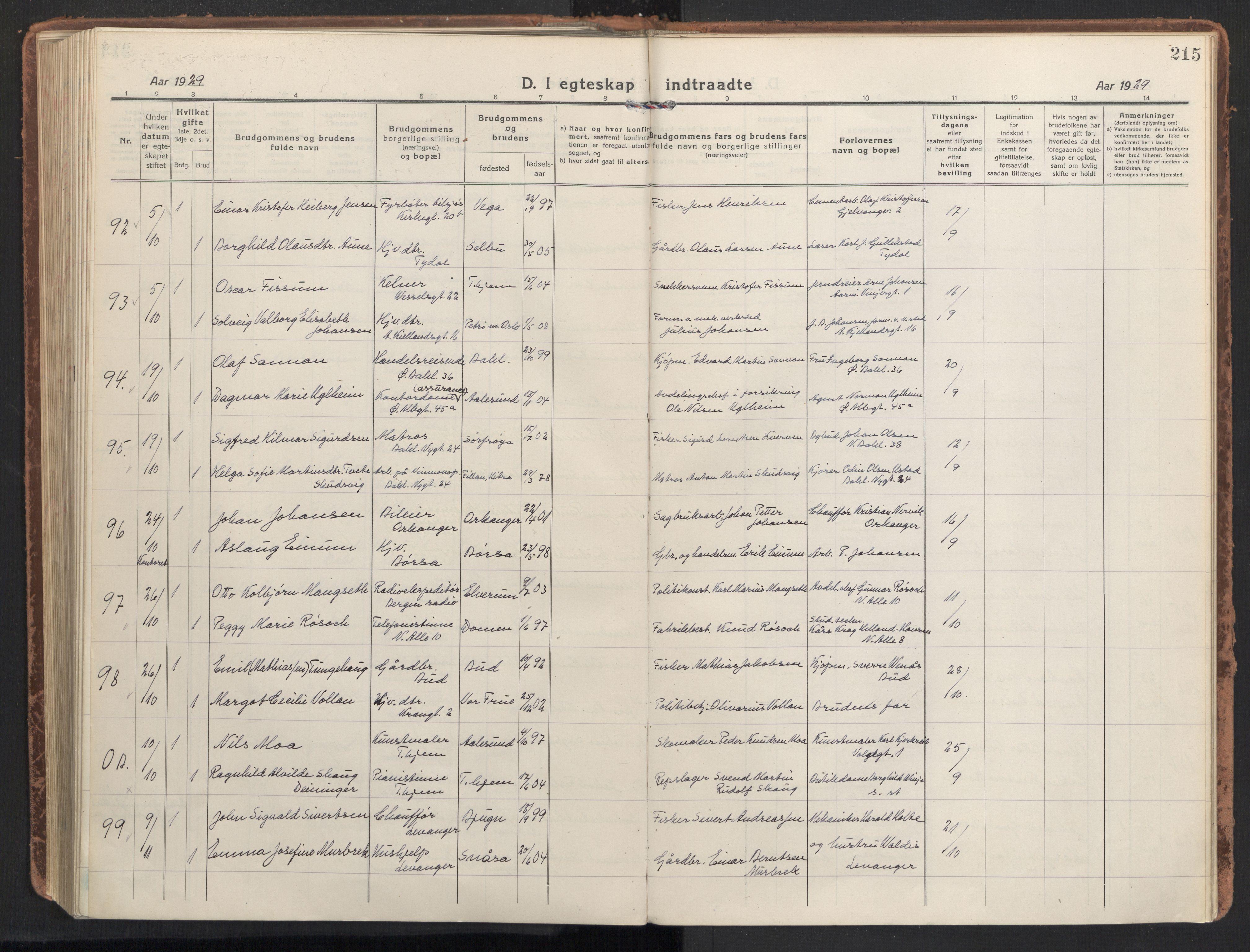 SAT, Ministerialprotokoller, klokkerbøker og fødselsregistre - Sør-Trøndelag, 604/L0206: Ministerialbok nr. 604A26, 1917-1931, s. 215