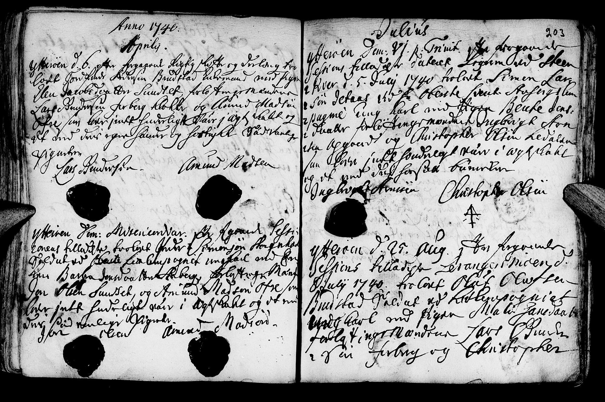 SAT, Ministerialprotokoller, klokkerbøker og fødselsregistre - Nord-Trøndelag, 722/L0215: Ministerialbok nr. 722A02, 1718-1755, s. 203