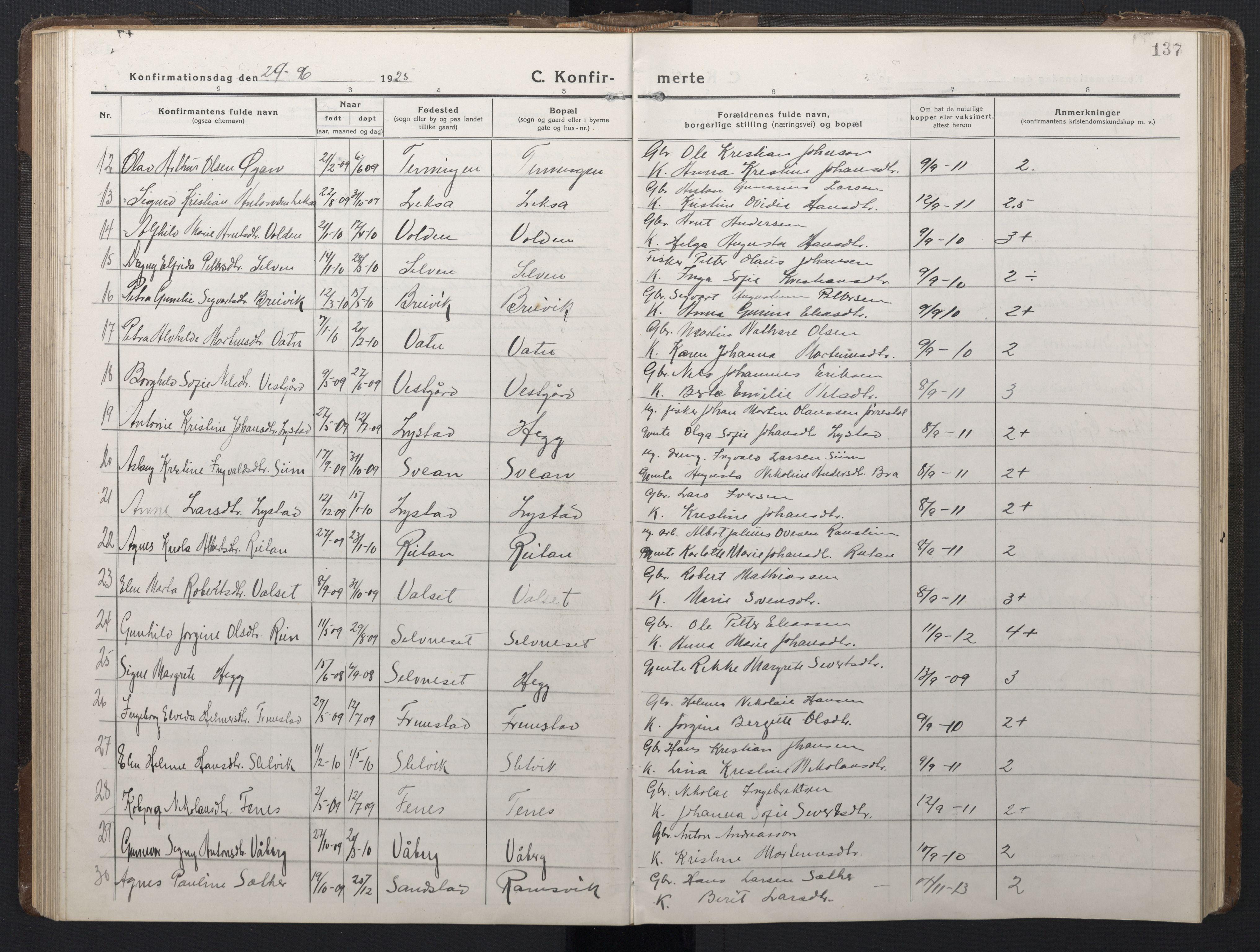 SAT, Ministerialprotokoller, klokkerbøker og fødselsregistre - Sør-Trøndelag, 662/L0758: Klokkerbok nr. 662C03, 1918-1948, s. 137