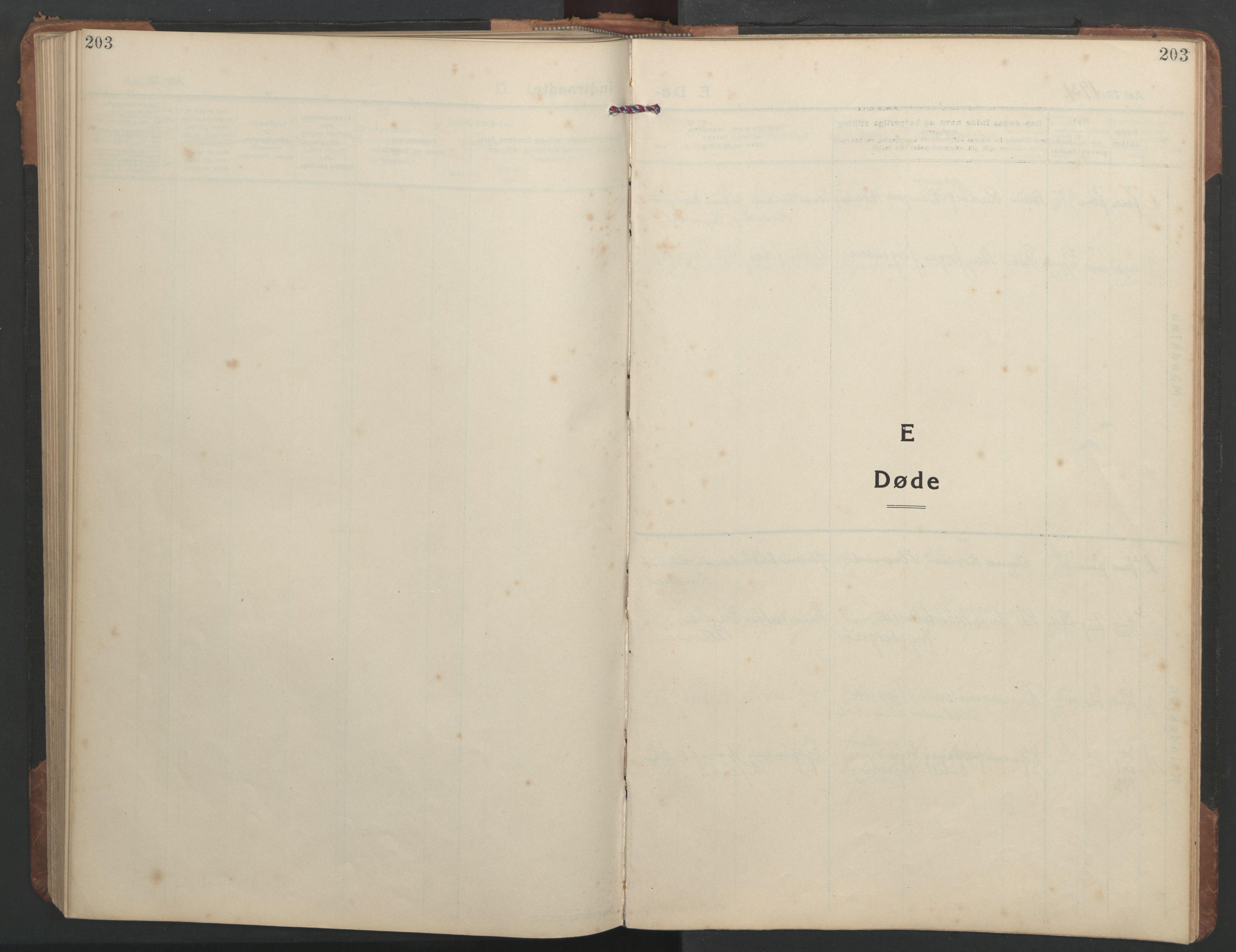 SAT, Ministerialprotokoller, klokkerbøker og fødselsregistre - Sør-Trøndelag, 638/L0569: Klokkerbok nr. 638C01, 1923-1961, s. 203