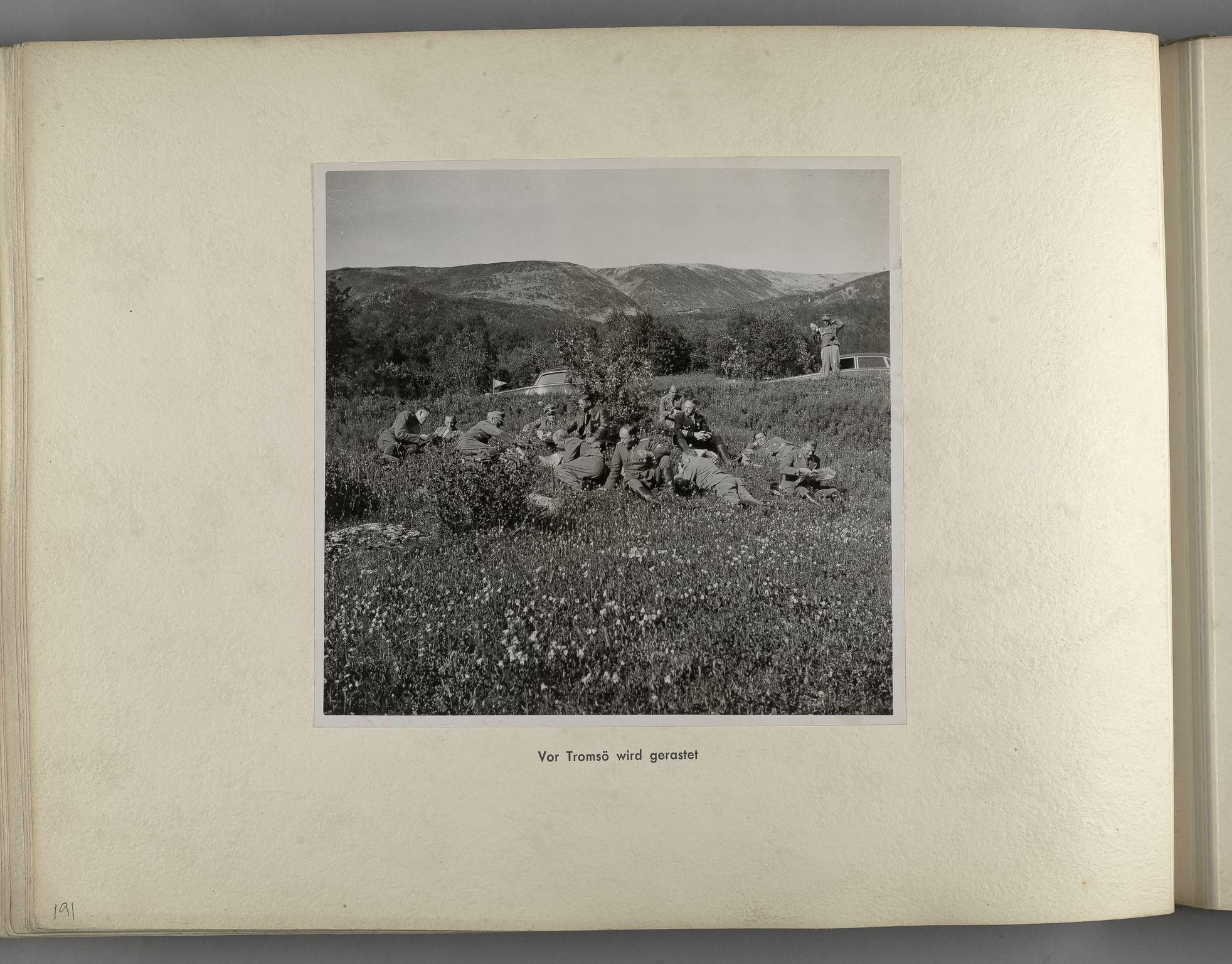 RA, Tyske arkiver, Reichskommissariat, Bildarchiv, U/L0071: Fotoalbum: Mit dem Reichskommissar nach Nordnorwegen und Finnland 10. bis 27. Juli 1942, 1942, s. 80