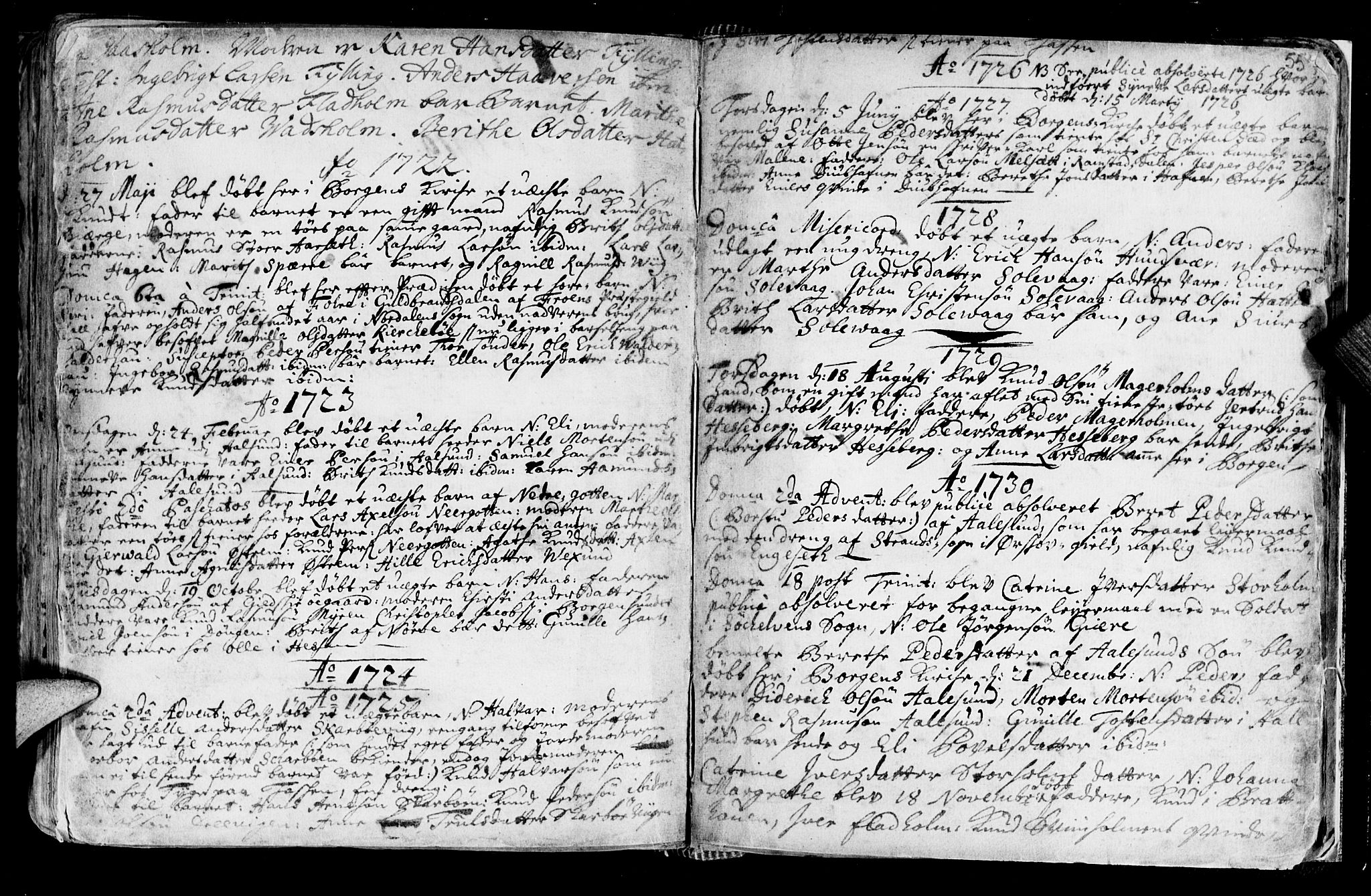 SAT, Ministerialprotokoller, klokkerbøker og fødselsregistre - Møre og Romsdal, 528/L0390: Ministerialbok nr. 528A01, 1698-1739, s. 556-557