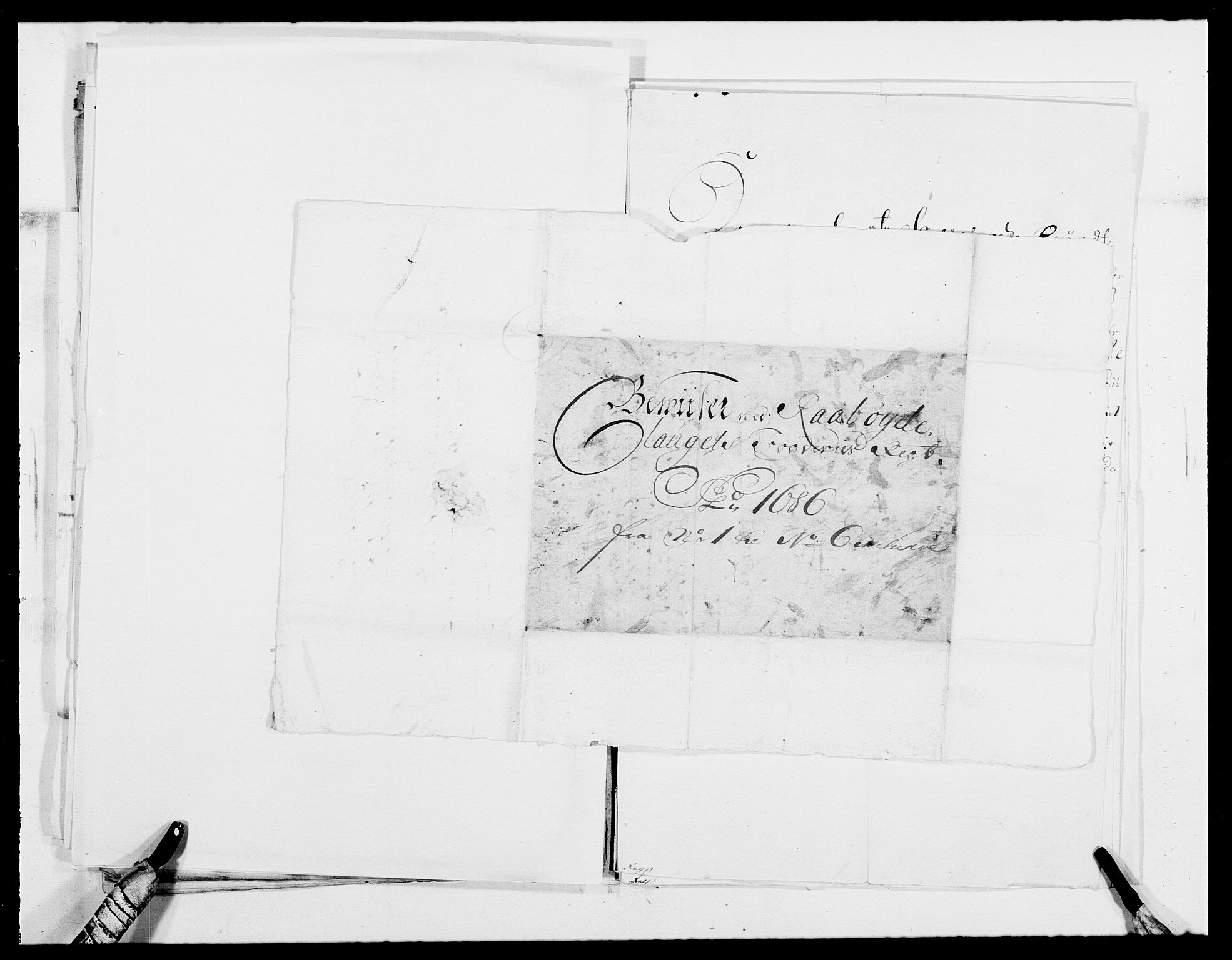 RA, Rentekammeret inntil 1814, Reviderte regnskaper, Fogderegnskap, R40/L2440: Fogderegnskap Råbyggelag, 1686-1687, s. 98
