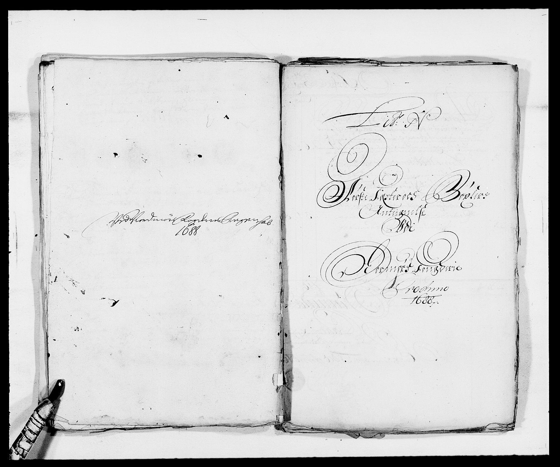 RA, Rentekammeret inntil 1814, Reviderte regnskaper, Fogderegnskap, R56/L3733: Fogderegnskap Nordmøre, 1687-1689, s. 313