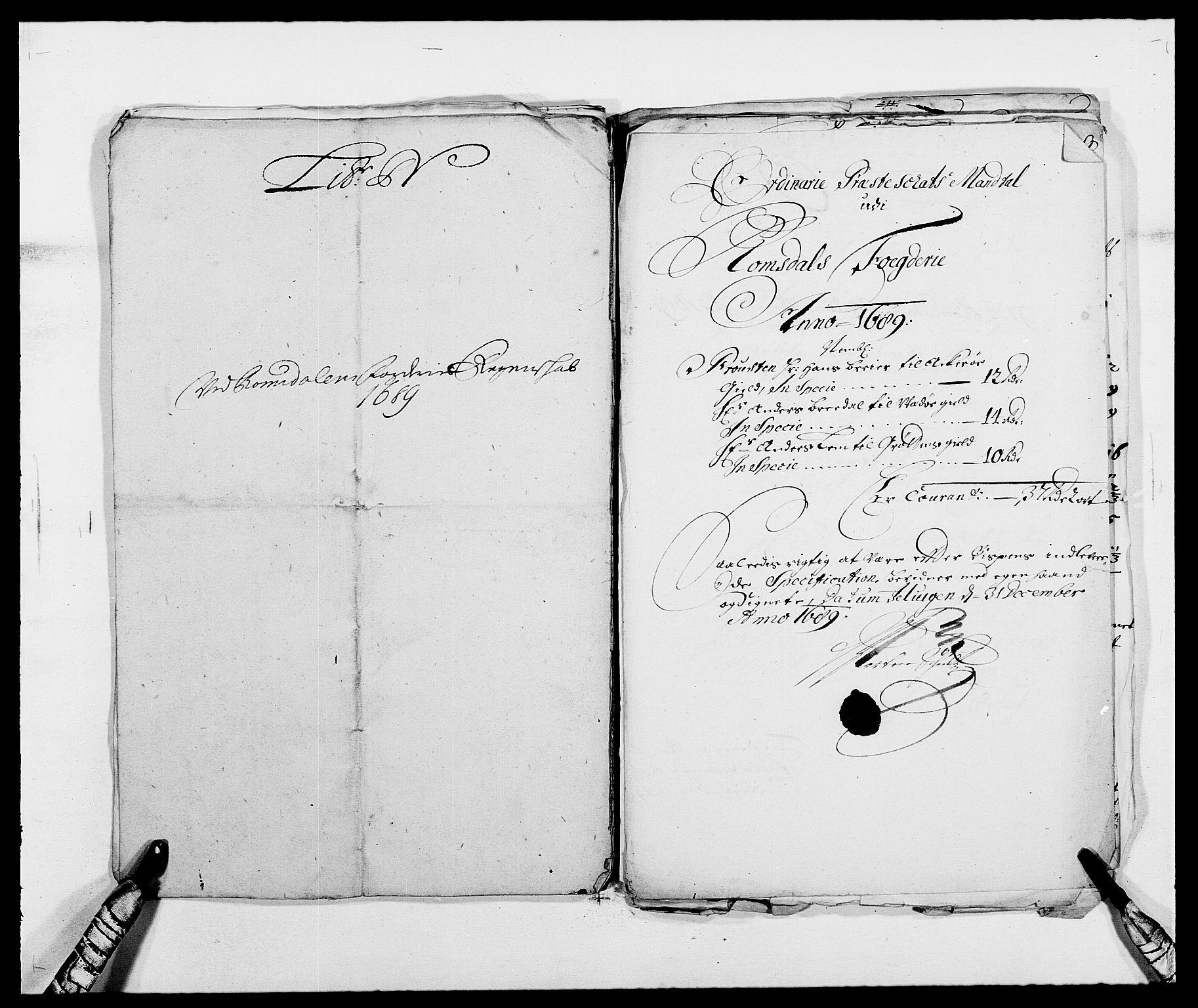 RA, Rentekammeret inntil 1814, Reviderte regnskaper, Fogderegnskap, R55/L3648: Fogderegnskap Romsdal, 1687-1689, s. 402