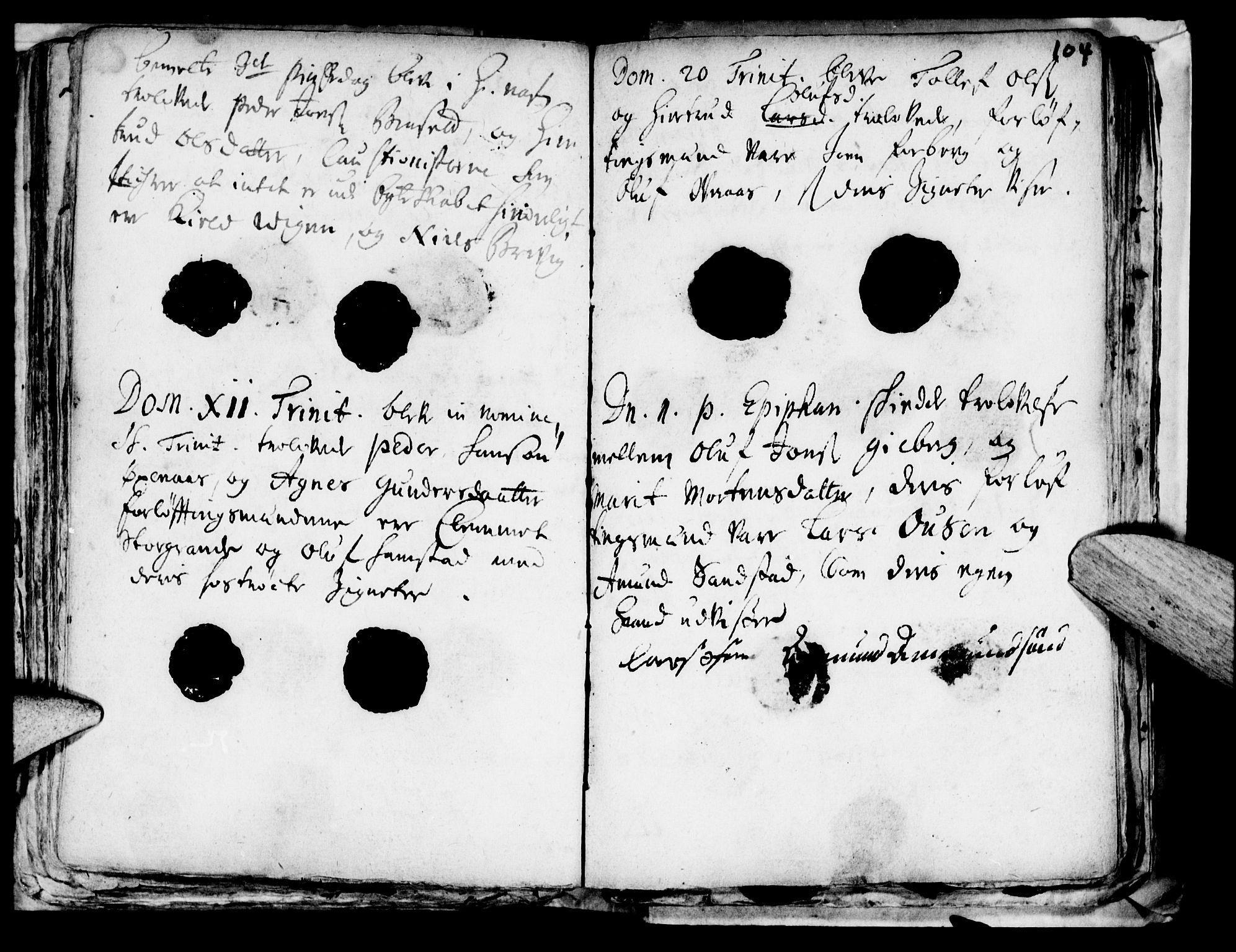 SAT, Ministerialprotokoller, klokkerbøker og fødselsregistre - Nord-Trøndelag, 722/L0214: Ministerialbok nr. 722A01, 1692-1718, s. 104