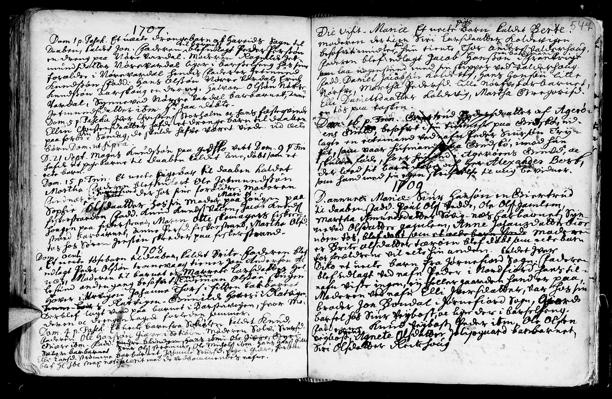 SAT, Ministerialprotokoller, klokkerbøker og fødselsregistre - Møre og Romsdal, 528/L0390: Ministerialbok nr. 528A01, 1698-1739, s. 546-547
