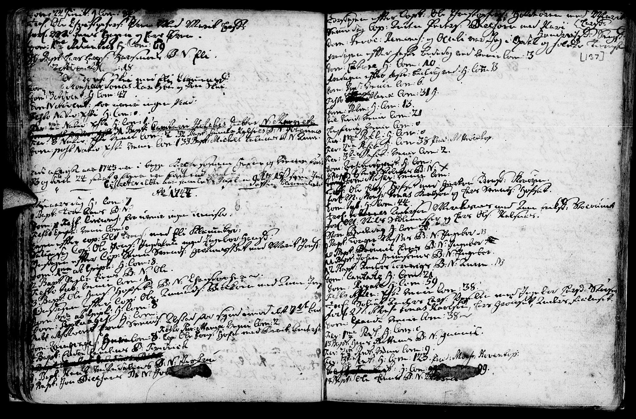 SAT, Ministerialprotokoller, klokkerbøker og fødselsregistre - Sør-Trøndelag, 630/L0488: Ministerialbok nr. 630A01, 1717-1756, s. 136-137