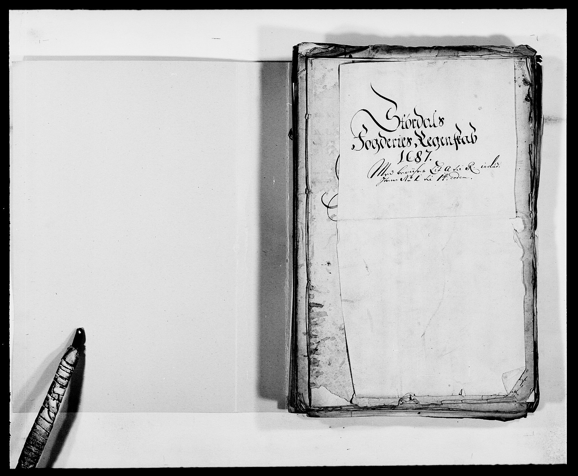 RA, Rentekammeret inntil 1814, Reviderte regnskaper, Fogderegnskap, R62/L4183: Fogderegnskap Stjørdal og Verdal, 1687-1689, s. 2
