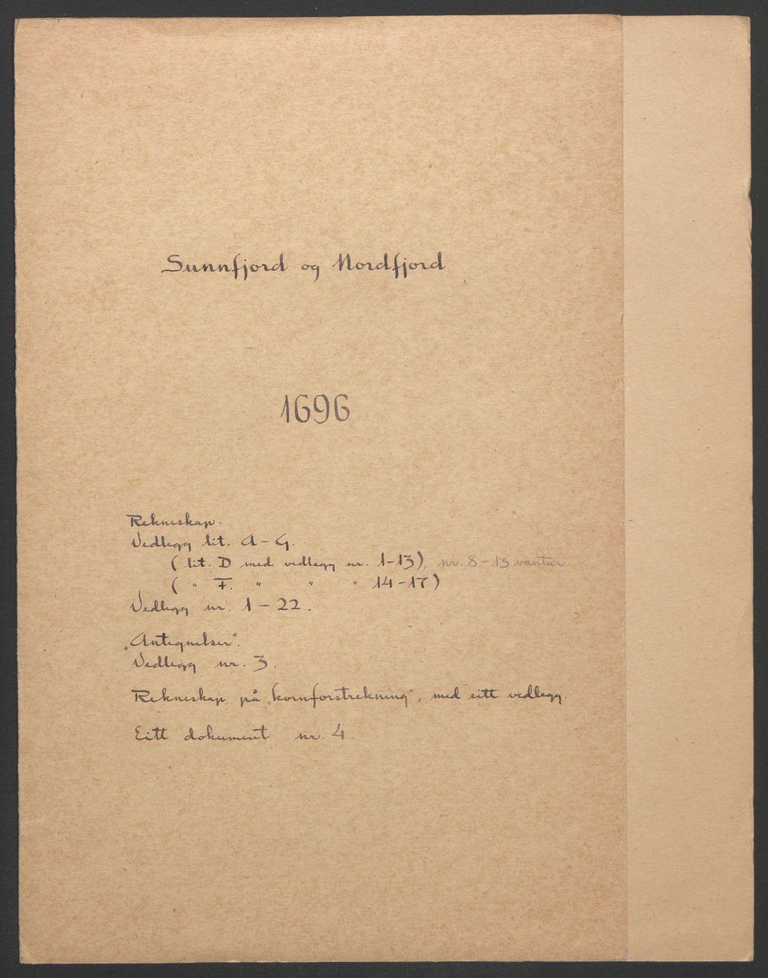 RA, Rentekammeret inntil 1814, Reviderte regnskaper, Fogderegnskap, R53/L3422: Fogderegnskap Sunn- og Nordfjord, 1695-1696, s. 215