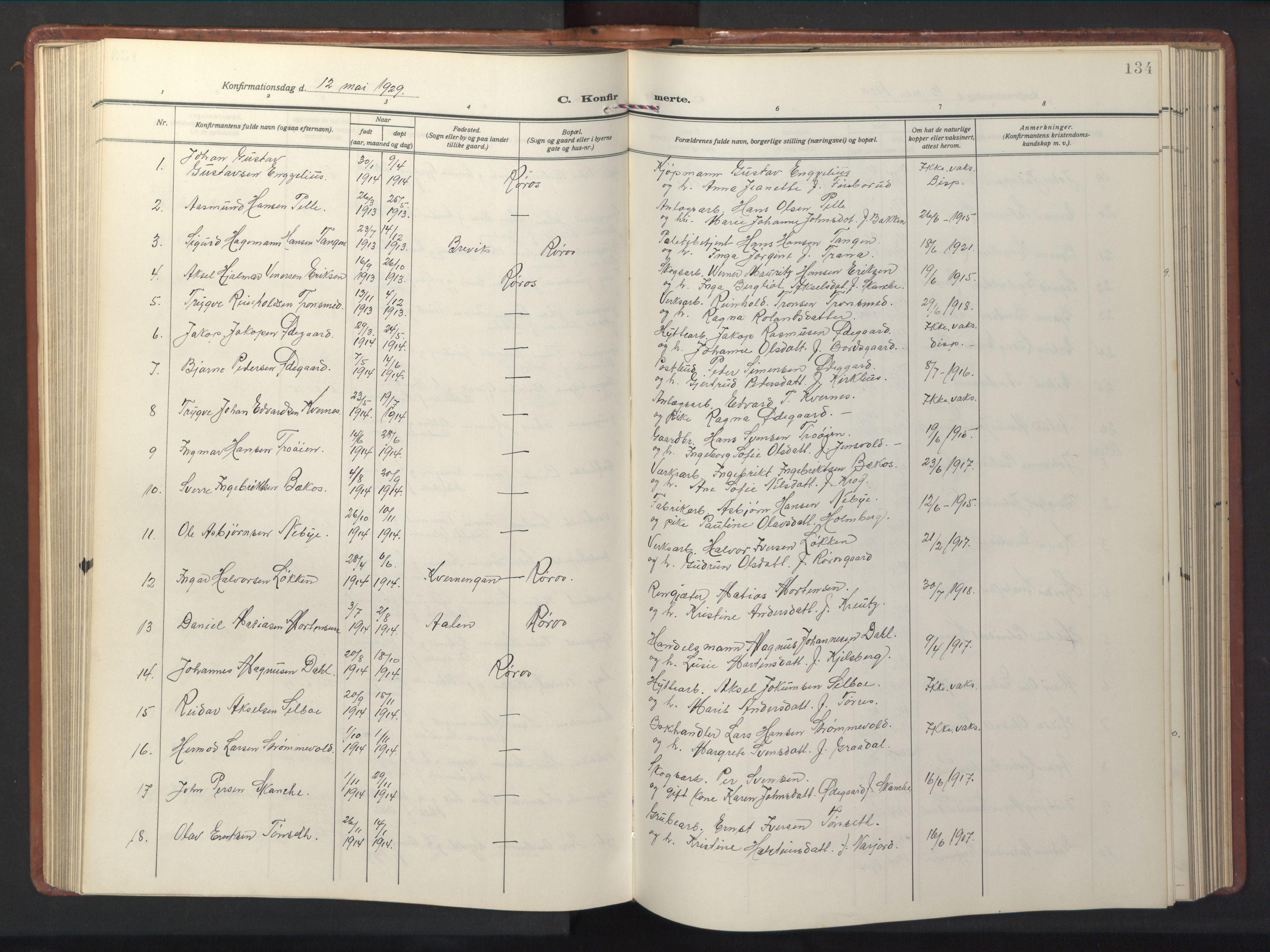 SAT, Ministerialprotokoller, klokkerbøker og fødselsregistre - Sør-Trøndelag, 681/L0943: Klokkerbok nr. 681C07, 1926-1954, s. 134