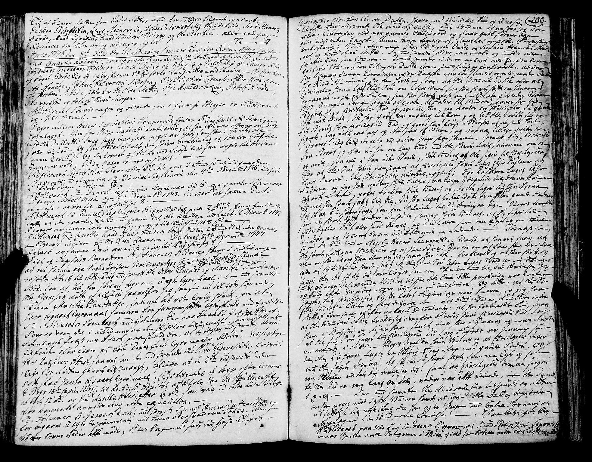 SAT, Romsdal sorenskriveri, 1/1A/L0012: Tingbok, 1740-1749, s. 209b-210a