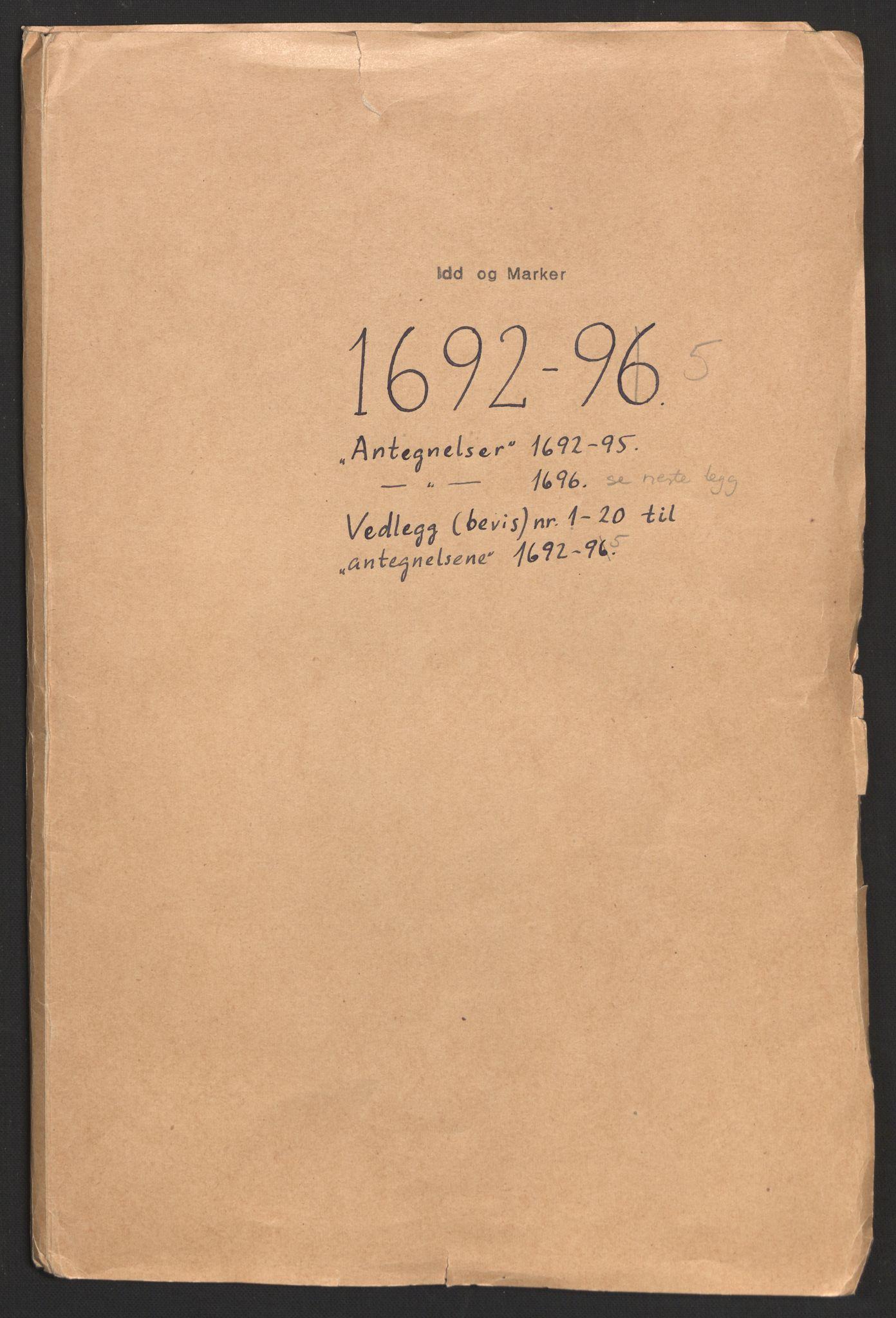 RA, Rentekammeret inntil 1814, Reviderte regnskaper, Fogderegnskap, R01/L0013: Fogderegnskap Idd og Marker, 1696-1698, s. 2