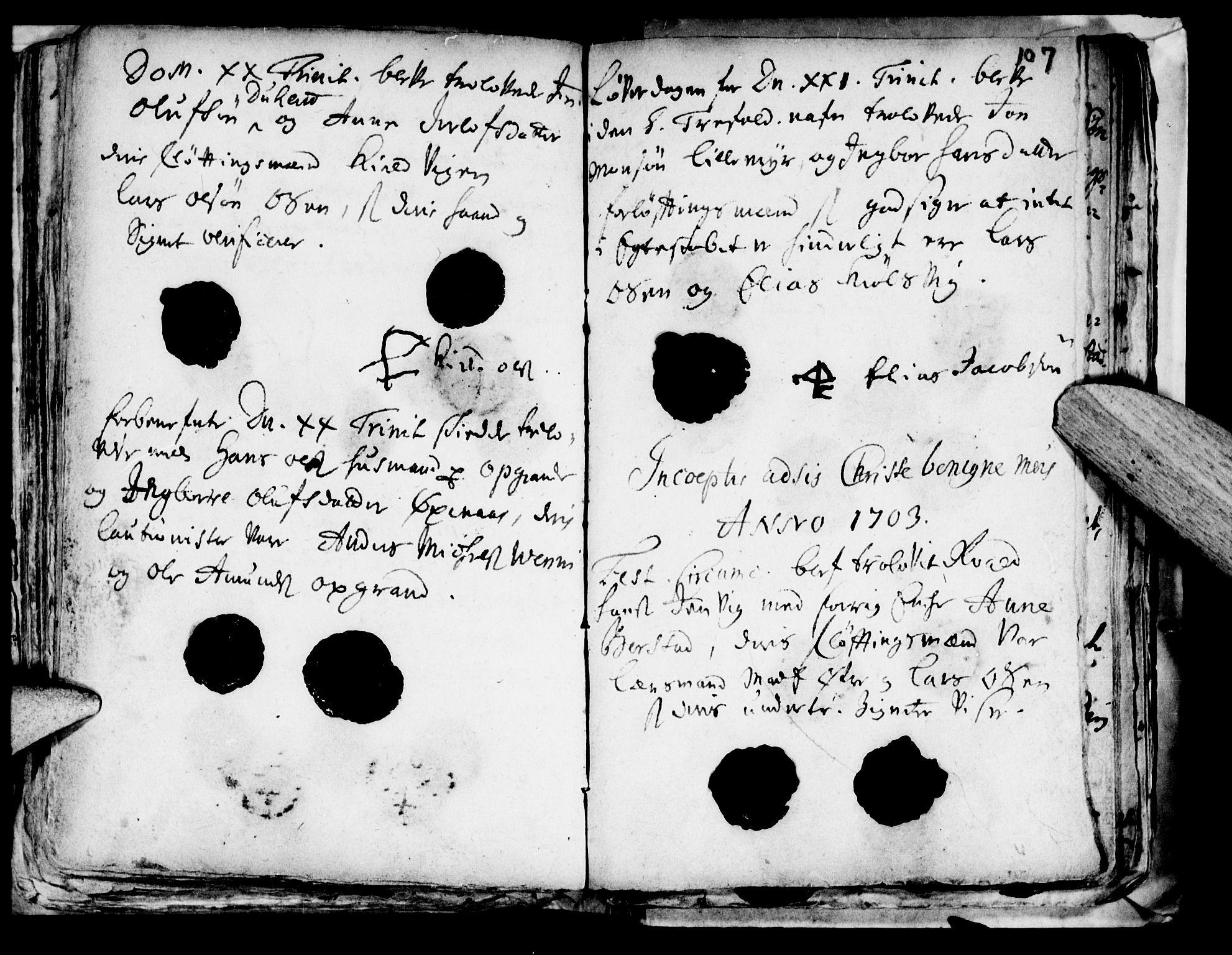 SAT, Ministerialprotokoller, klokkerbøker og fødselsregistre - Nord-Trøndelag, 722/L0214: Ministerialbok nr. 722A01, 1692-1718, s. 107
