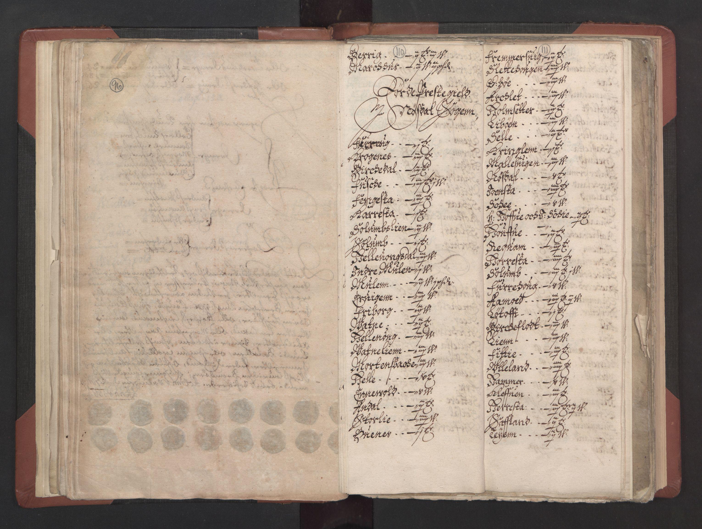 RA, Fogdenes og sorenskrivernes manntall 1664-1666, nr. 15: Nordfjord fogderi og Sunnfjord fogderi, 1664, s. 110-111