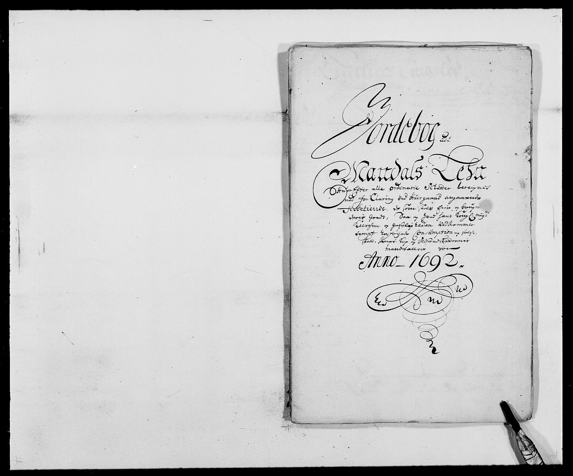 RA, Rentekammeret inntil 1814, Reviderte regnskaper, Fogderegnskap, R42/L2544: Mandal fogderi, 1692-1693, s. 11