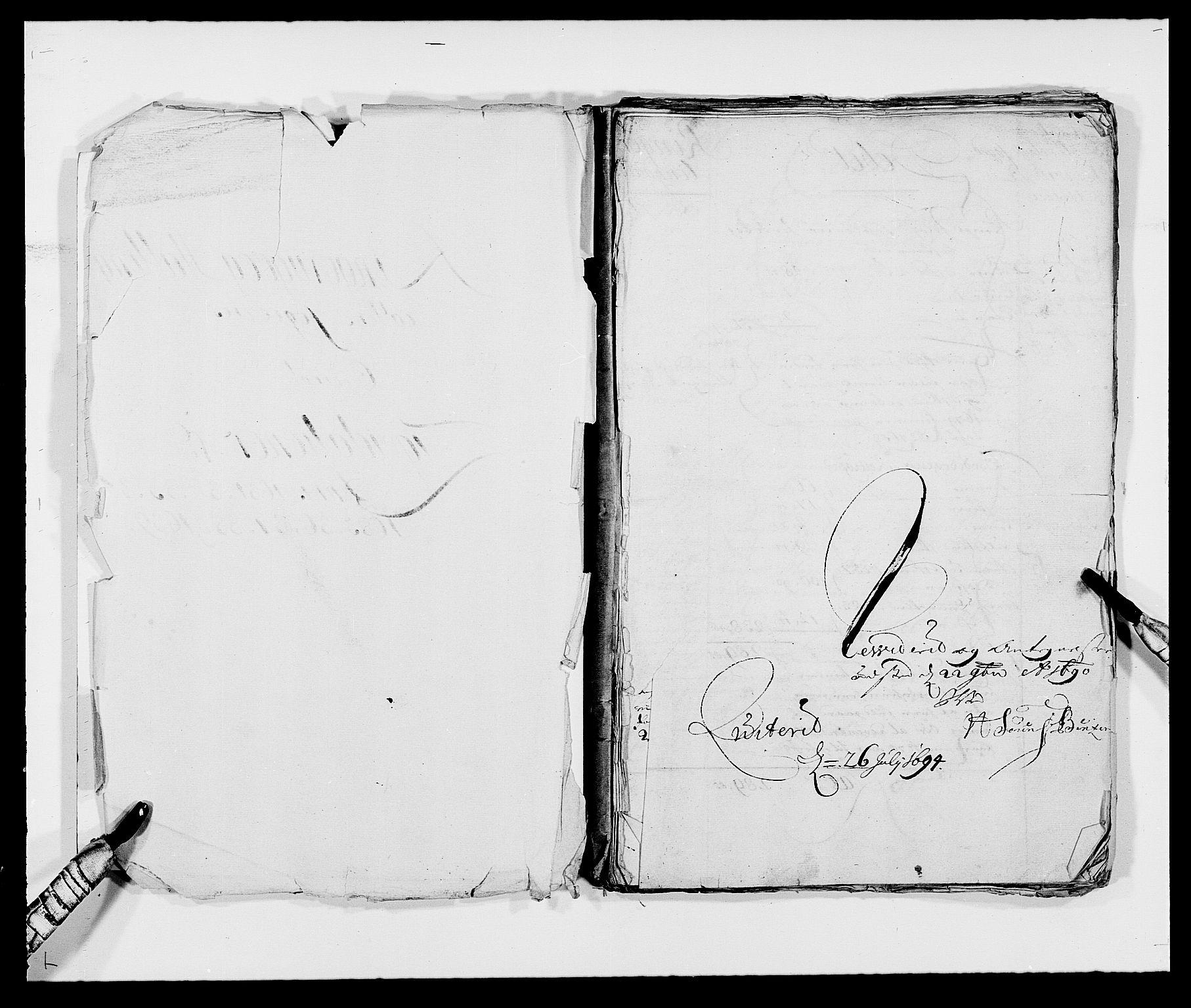RA, Rentekammeret inntil 1814, Reviderte regnskaper, Fogderegnskap, R21/L1445: Fogderegnskap Ringerike og Hallingdal, 1681-1689, s. 2