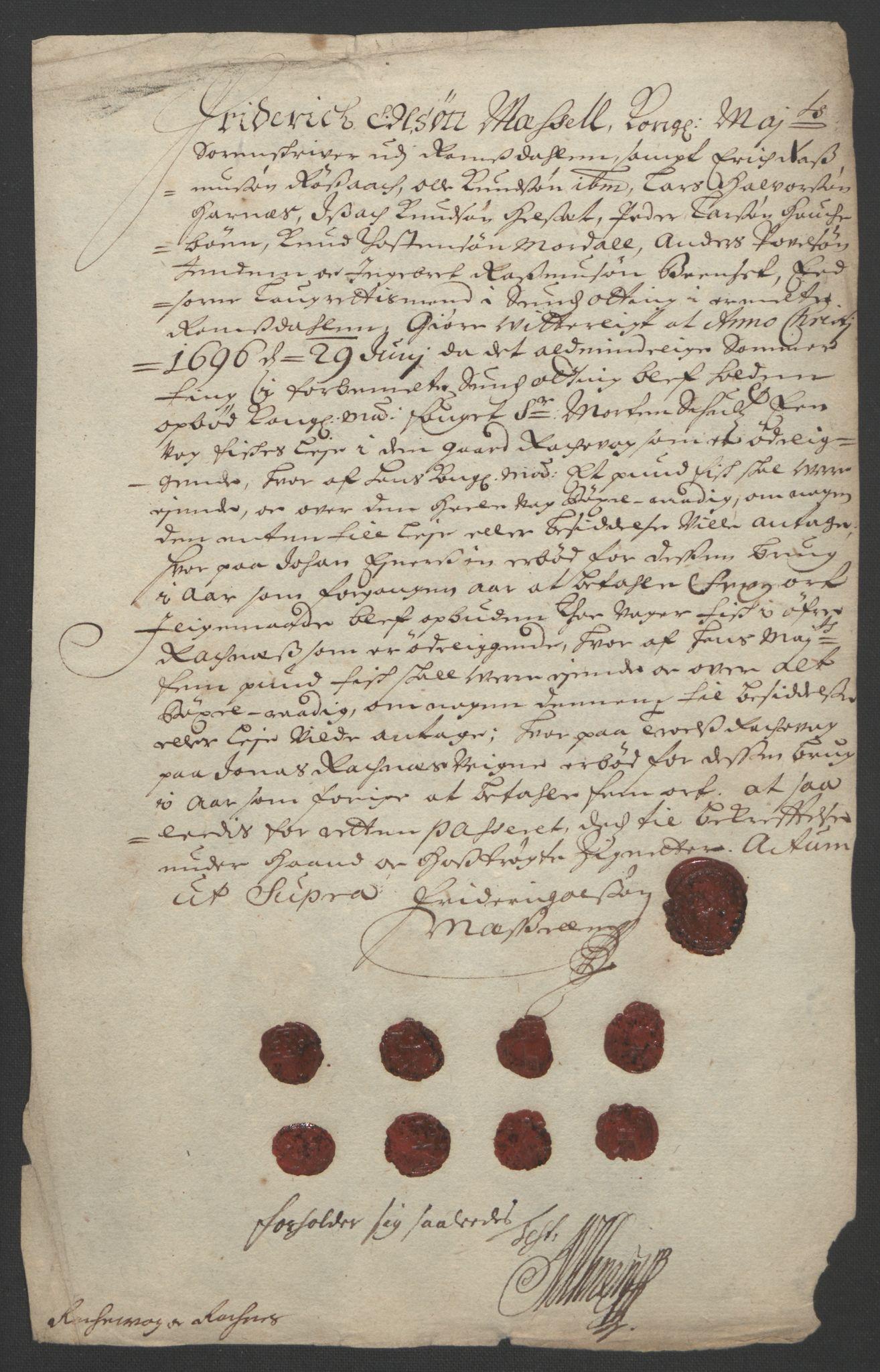 RA, Rentekammeret inntil 1814, Reviderte regnskaper, Fogderegnskap, R55/L3652: Fogderegnskap Romsdal, 1695-1696, s. 283
