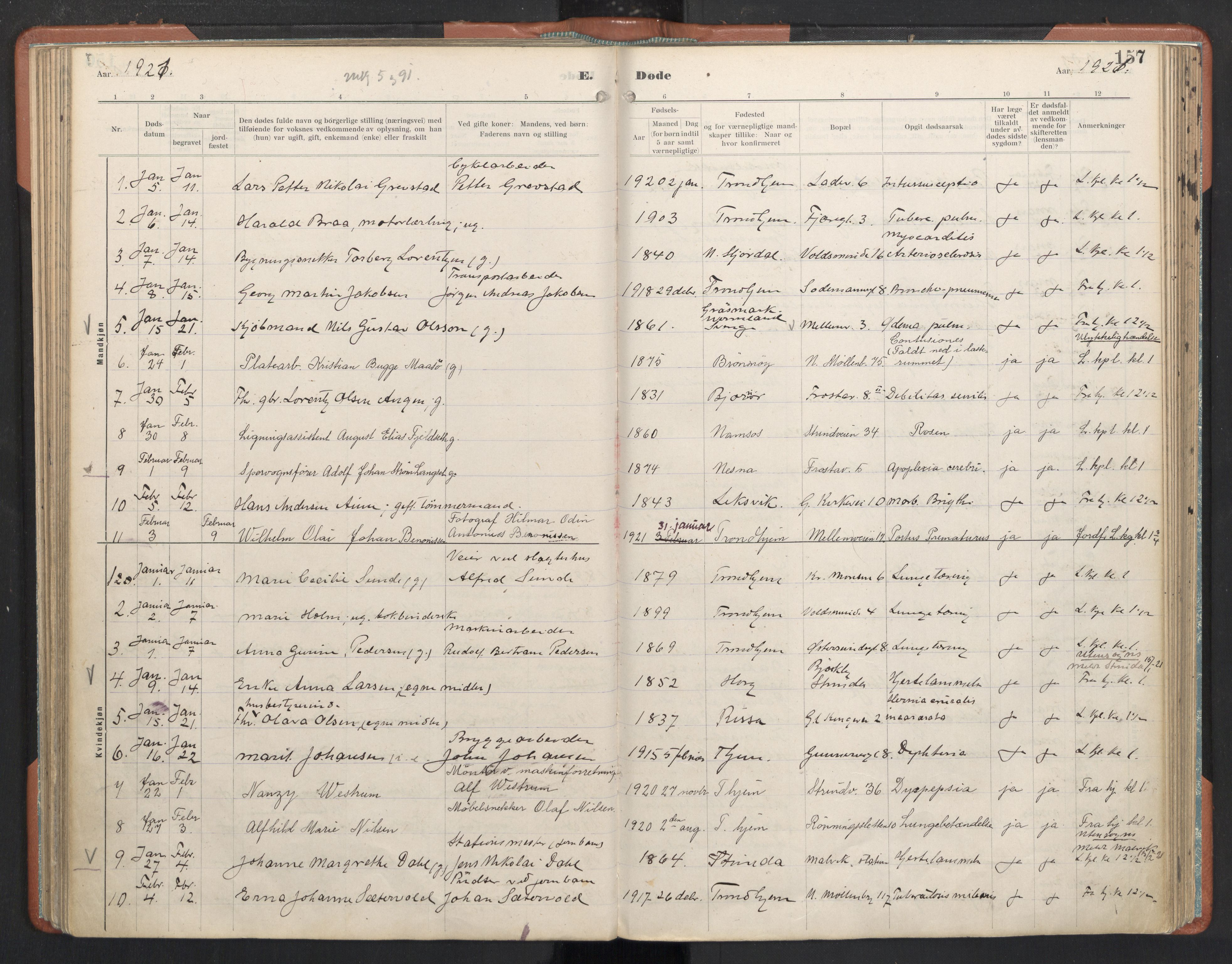 SAT, Ministerialprotokoller, klokkerbøker og fødselsregistre - Sør-Trøndelag, 605/L0245: Ministerialbok nr. 605A07, 1916-1938, s. 157