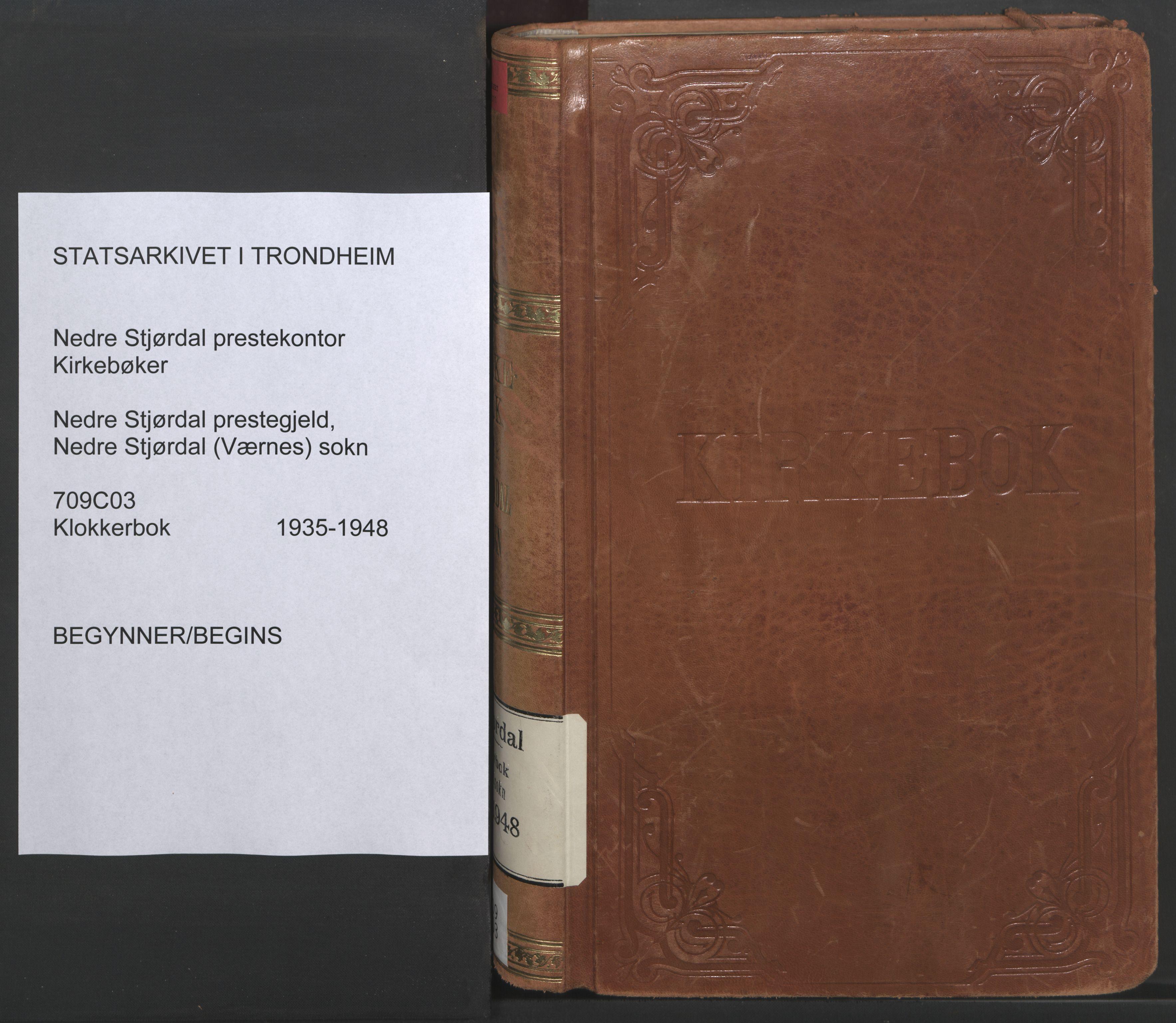 SAT, Ministerialprotokoller, klokkerbøker og fødselsregistre - Nord-Trøndelag, 709/L0089: Klokkerbok nr. 709C03, 1935-1948